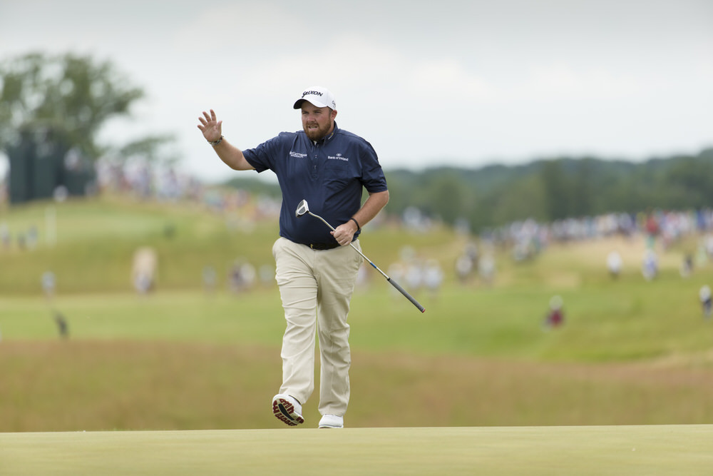 Shane Lowry waves after putting on the 18th hole during the third round of the 2017 U.S. Open at Erin Hills in Erin, Wis. on Saturday, June 17, 2017. (Copyright USGA/Chris Keane)