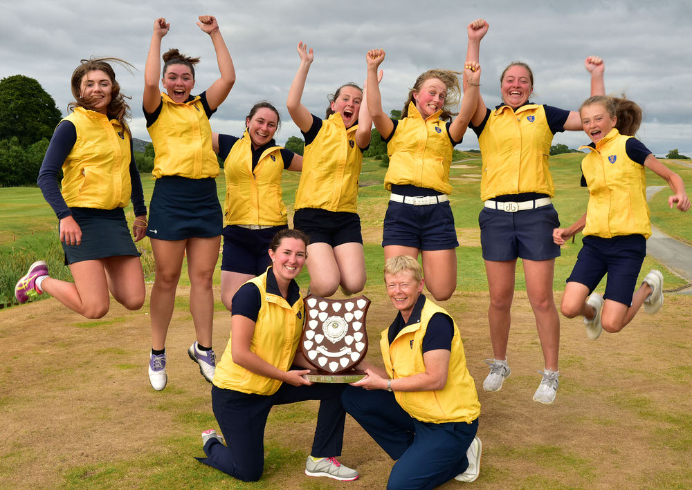 Danielle Colgan (Team Manager) and Stephanie McNiff (Team Captain) with the winning Leinster Girls Interprovincial team (from left) Jan Browne, Canice Screene, Katie O'Hart, Emma Thorne, Lech Temple Lang, Anna Foster and Emma Fleming at the 2018 ILGU Interprovincial Matches at Castle Dargan Golf Resort. Picture by  Pat Cashman