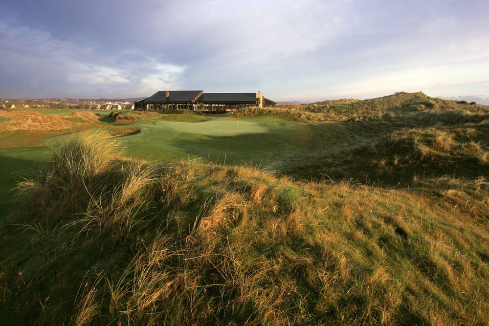 The 18th green at Seapoint Golf Links