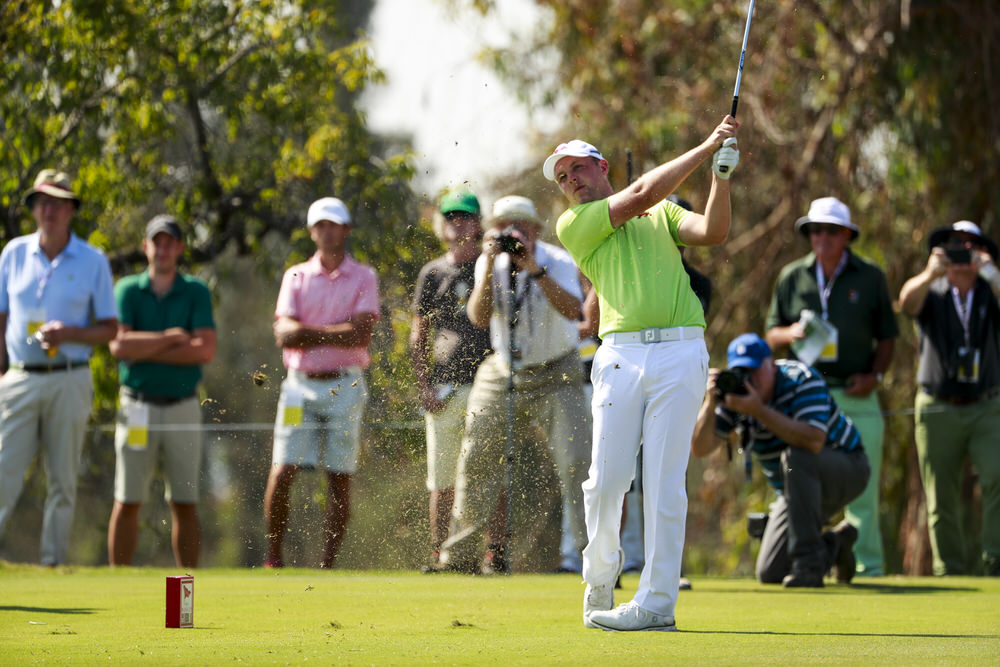 The Island's Paul McBride (GB&I) plays his tee shot on the 15th hole during foursomes at the 2017 Walker Cup at The Los Angeles Country Club. Sept. 9, 2017. (Copyright USGA/Chris Keane)
