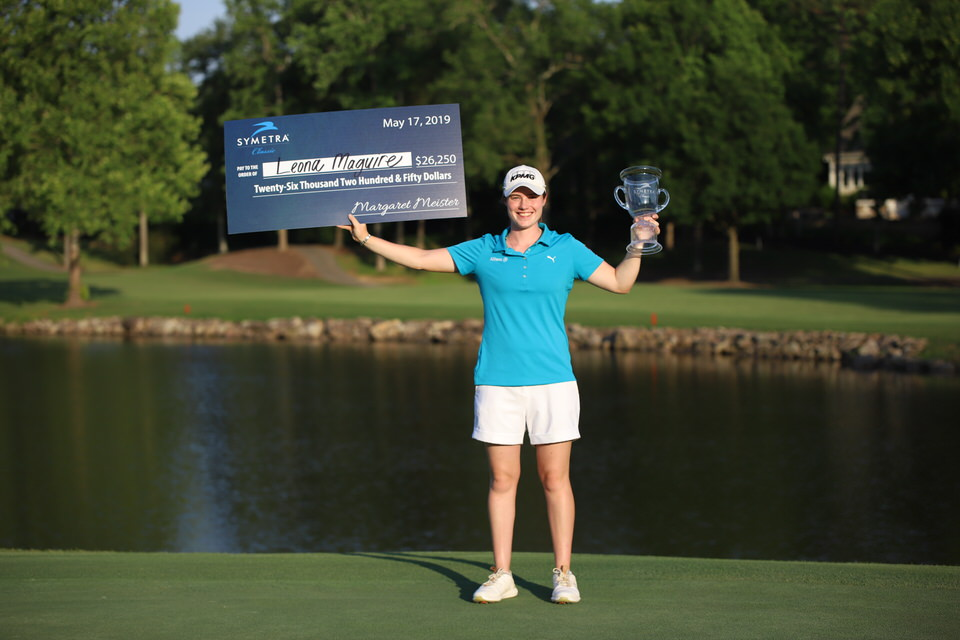 Leona Maguire with check and trophy (high).JPG