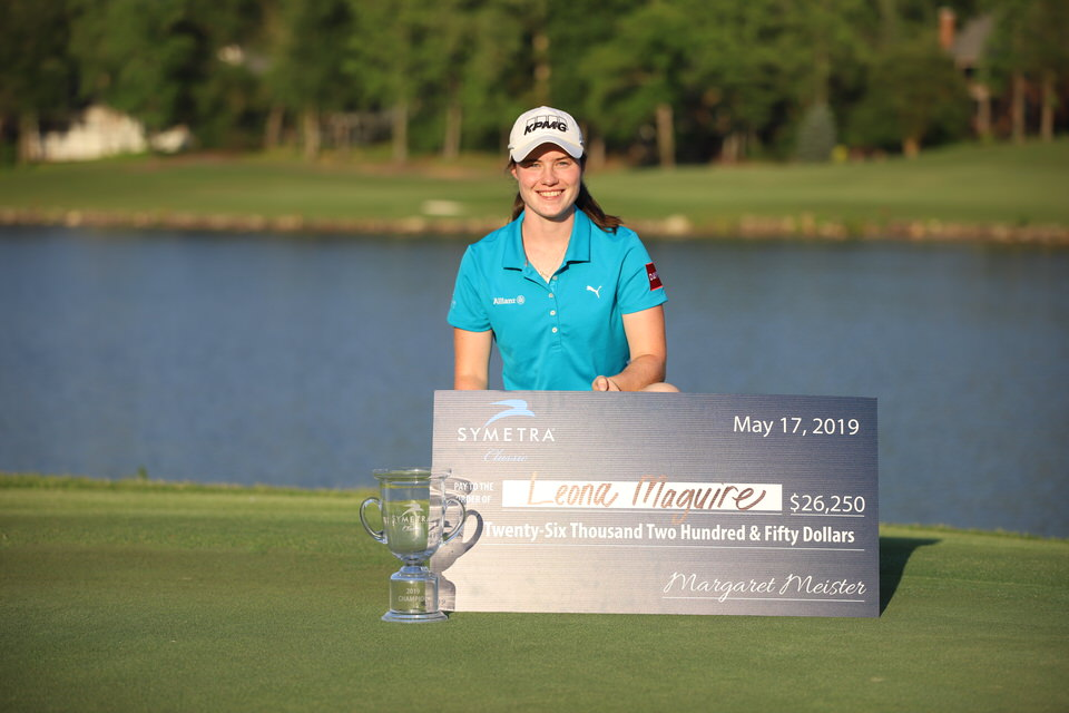 Leona Maguire with check and trophy (low).JPG