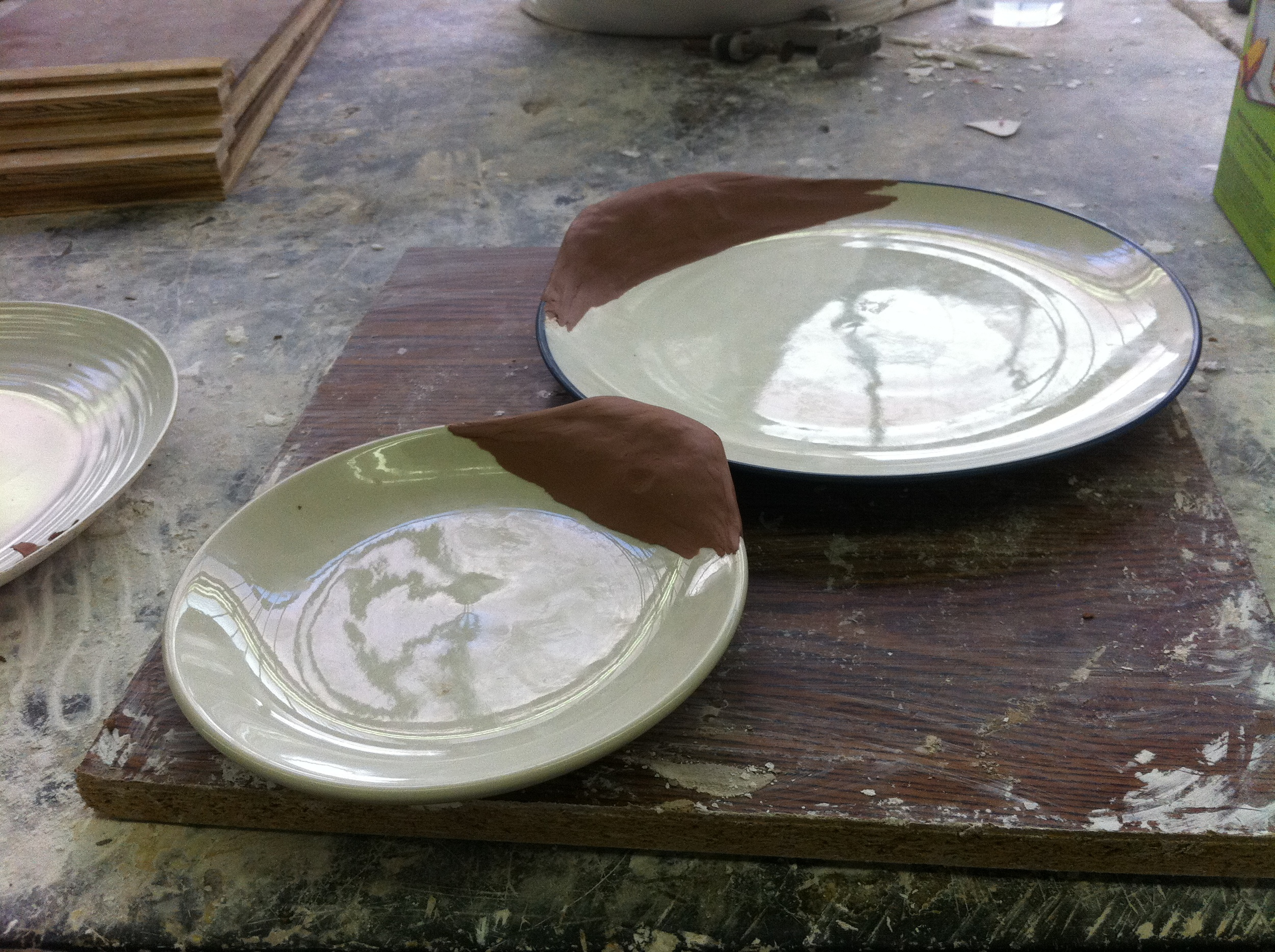 I created the plate form by adding a Plasteline clay extension.