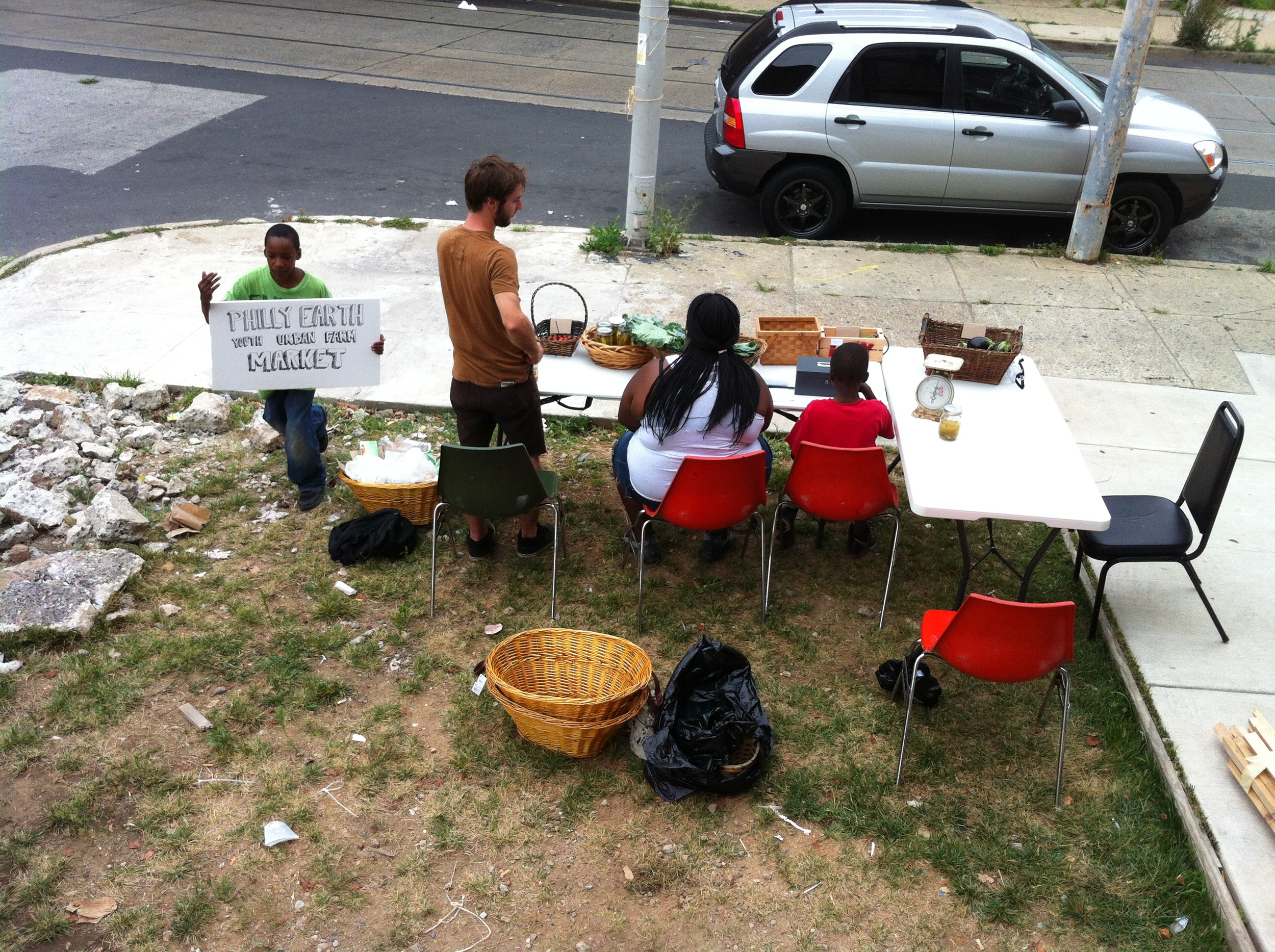 Philly Earth'smakeshift farm stand.