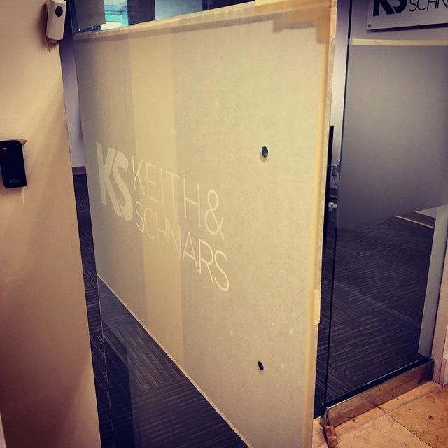 Installing frosted vinyl with custom logo for @keithandschnars . . . . . #custom #customdesign #brand #logo #customlogo #vinyl #frosted #office #officedecor #modernoffice #miamioffice #miamibusiness #miamilocal #support #printshop #fastprinting #qualityprinting #creativemarketing #creativedesign #creativelogo