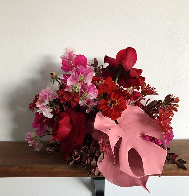 Oh George | a modern twist on a beautiful tradition 🥀 for Angela  #waitingforgeorge #flora #florist #sydneyflorist #prettyinpink #moderntradition