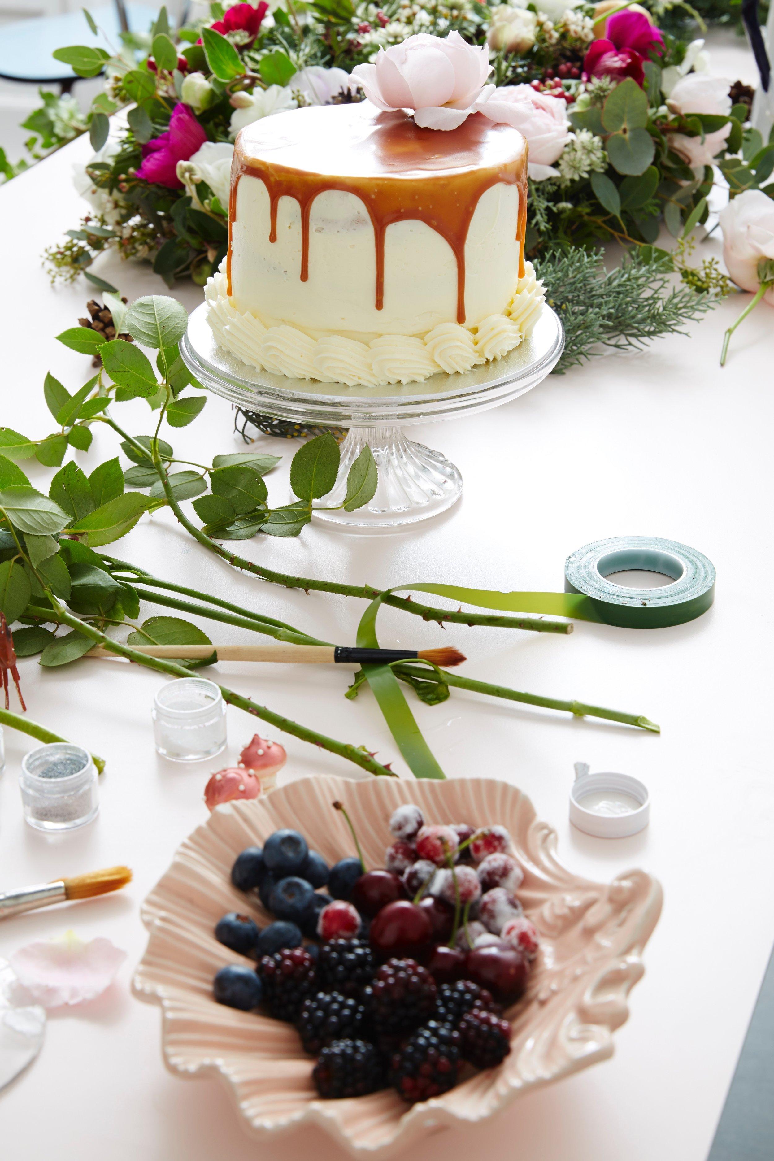 sugared cranberries drizzle cake
