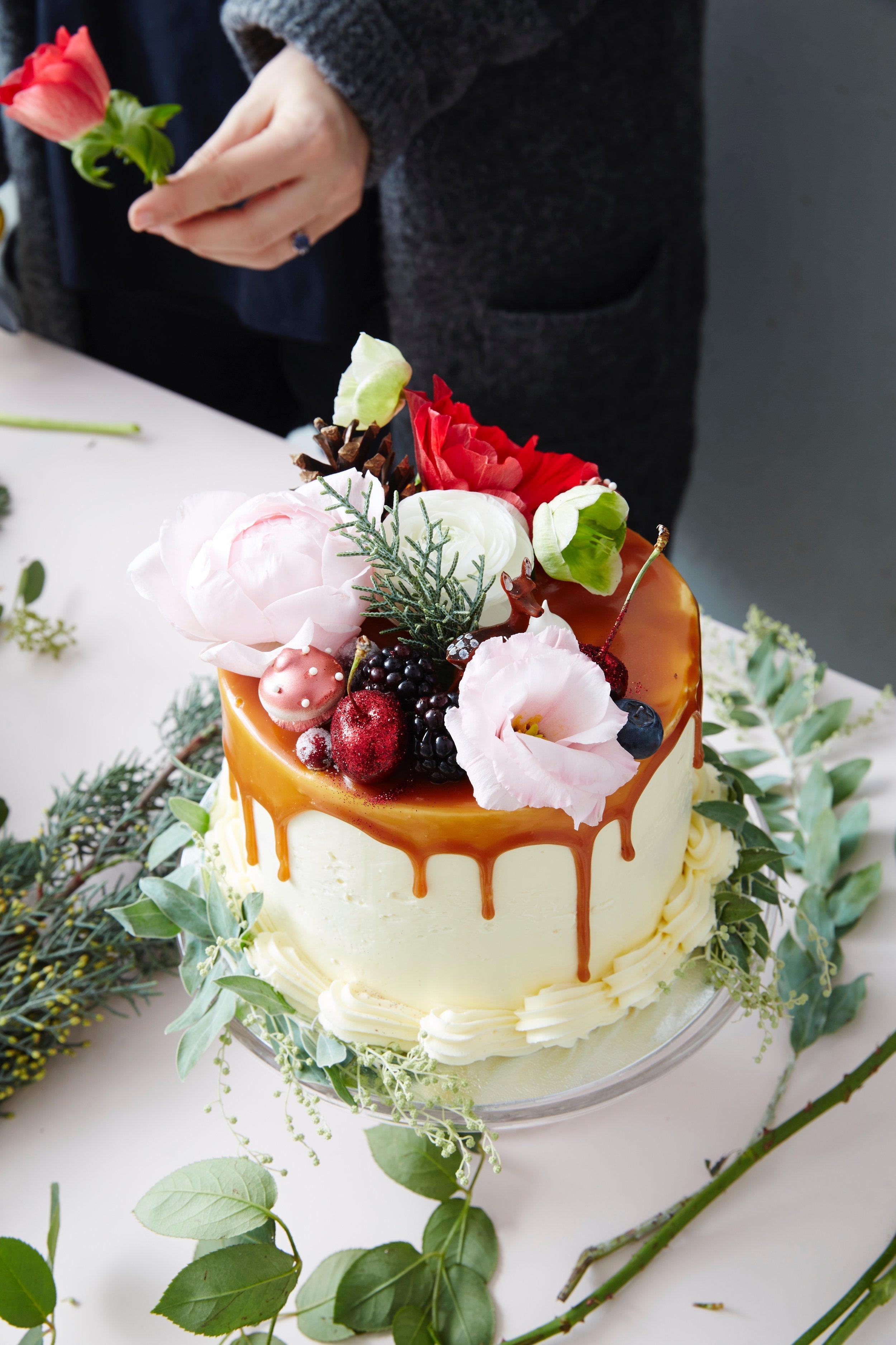 festive decorating cake