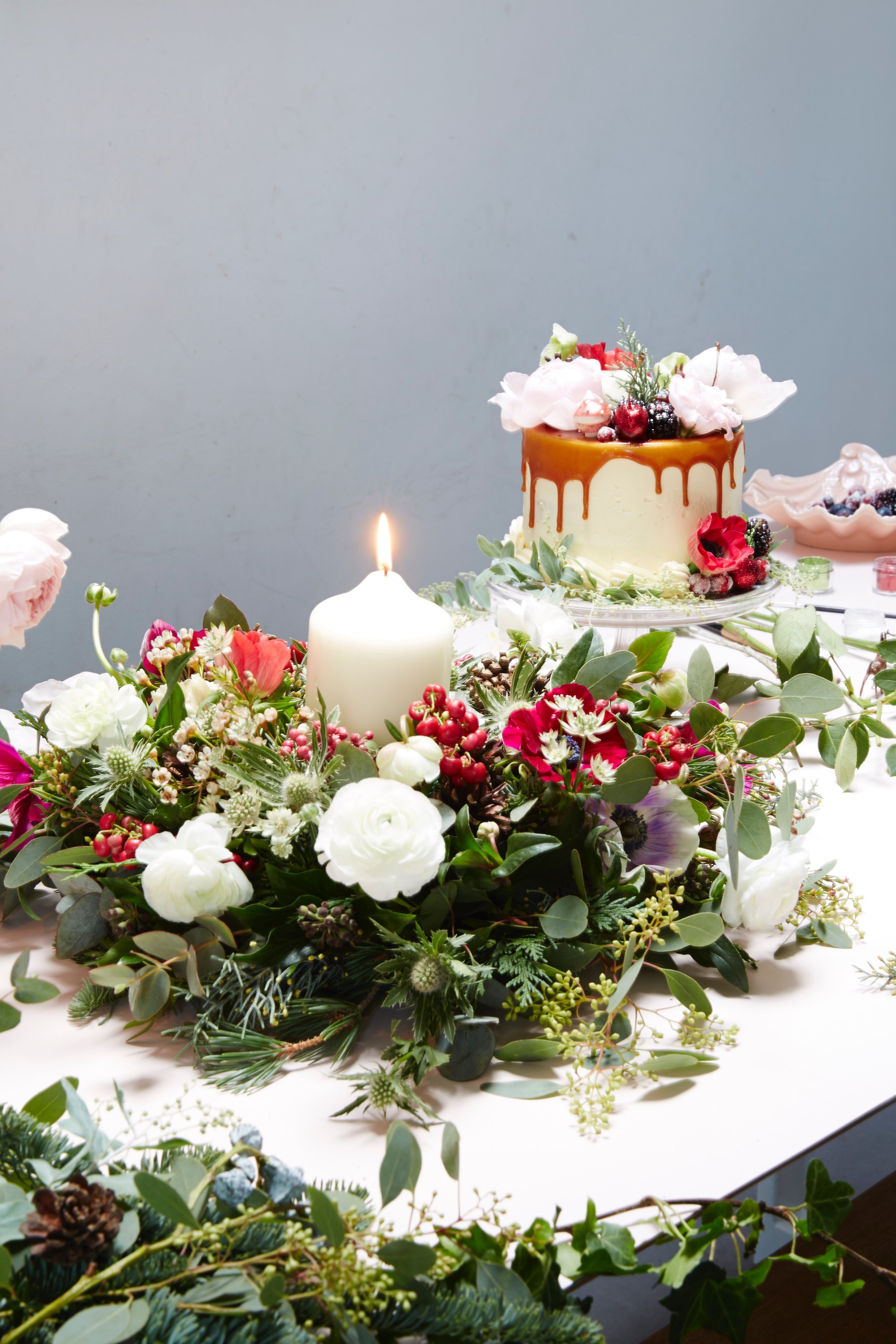 caramel drizzle christmas cake