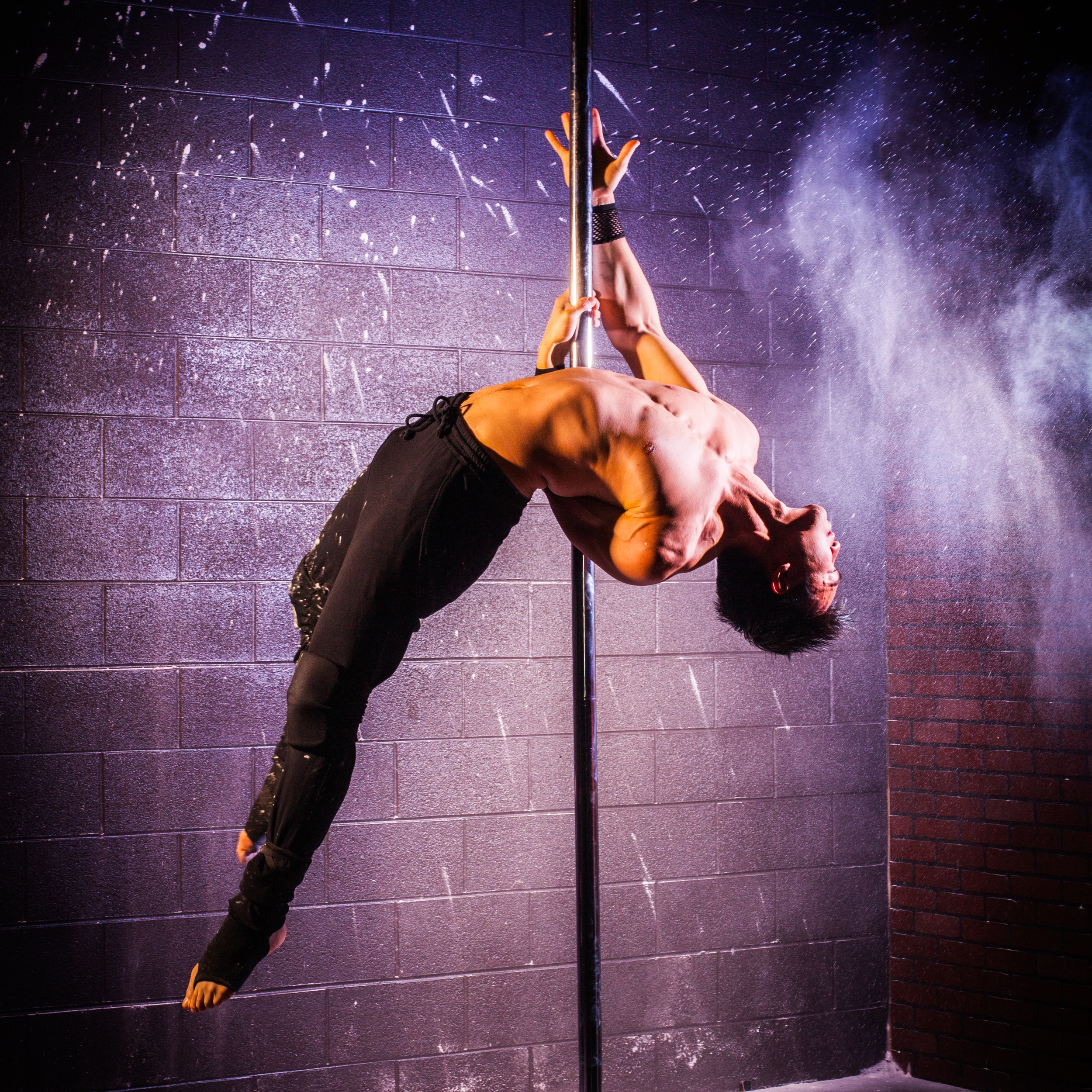 Dancing male strippers photos