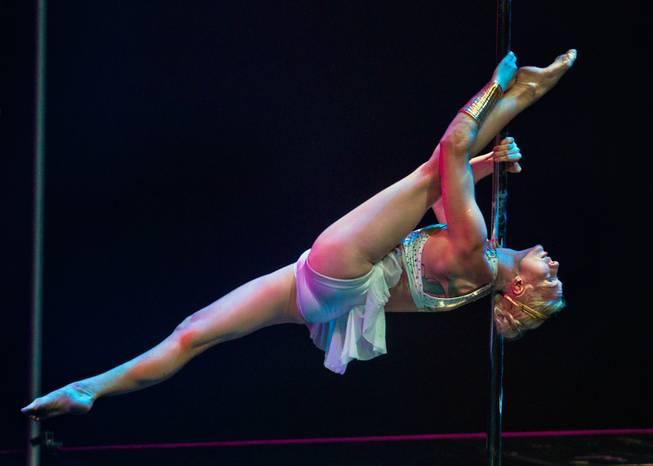 Pole Classic Female 3.jpg
