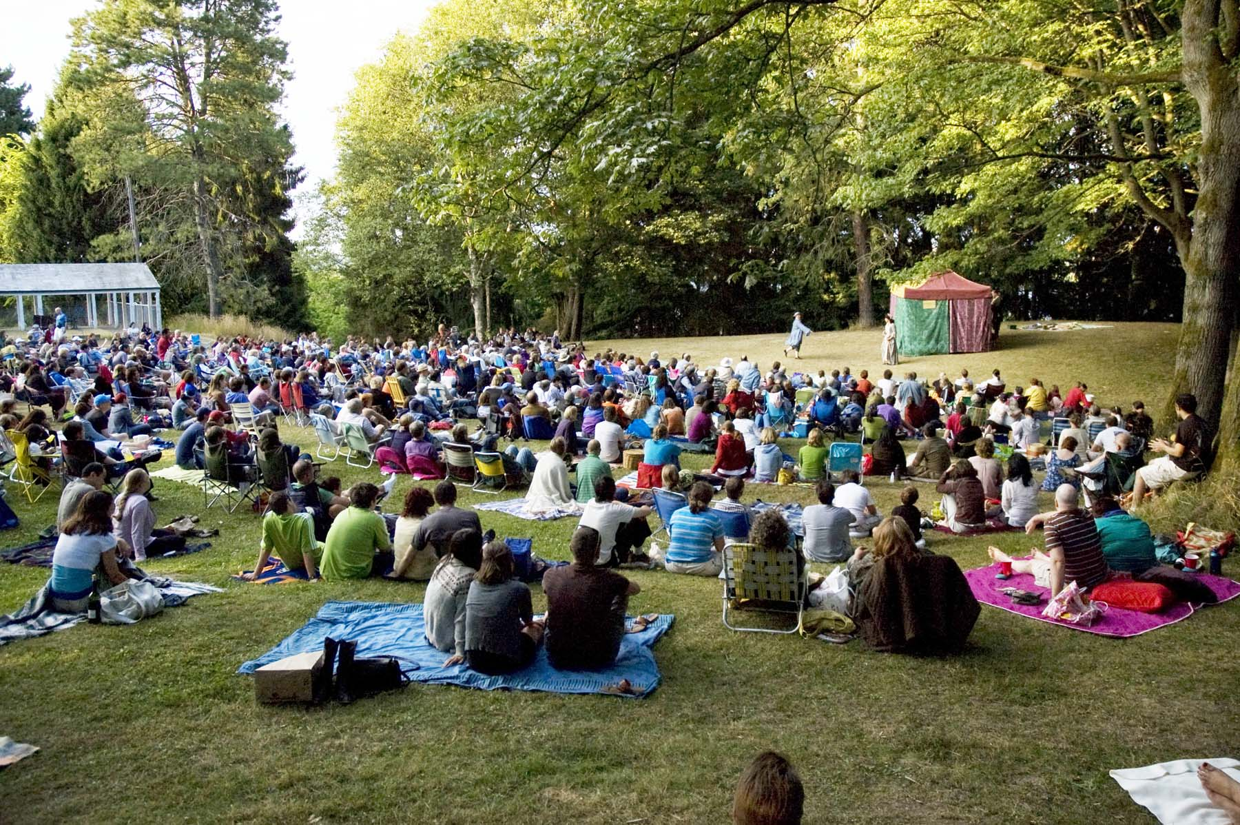 comedy of errors crowd woodland 3.jpg