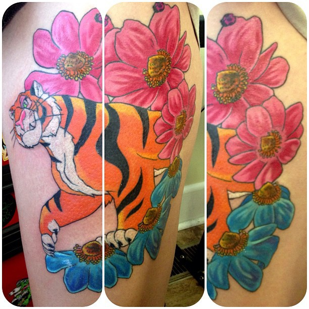 Tiger-Flowers Thigh-MGN.jpg