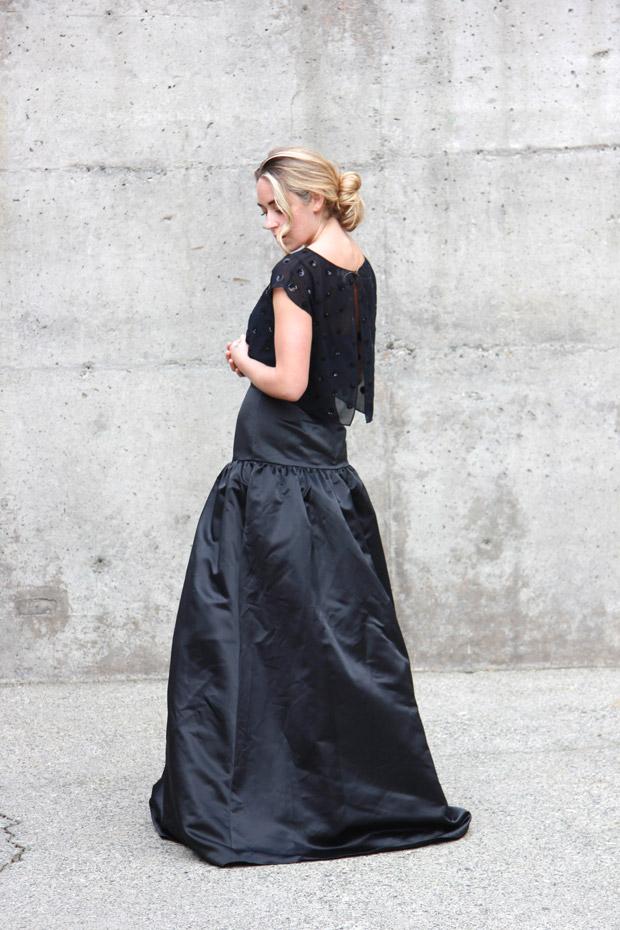 26215_black_gown_2.jpg
