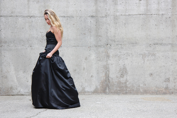 26215_black_gown_12.jpg