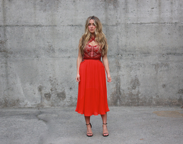 251114_reddress_6.jpg