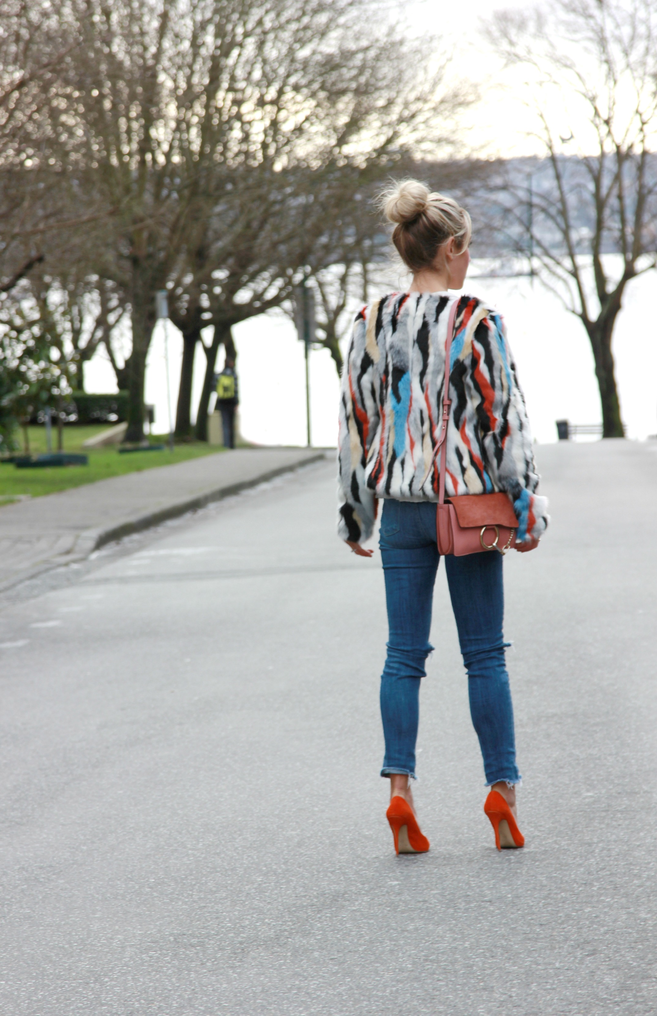The Great Tee, Jakke Faux Fur Jacket, Paige Jeans, Chloé Bag, Aldo Shoes
