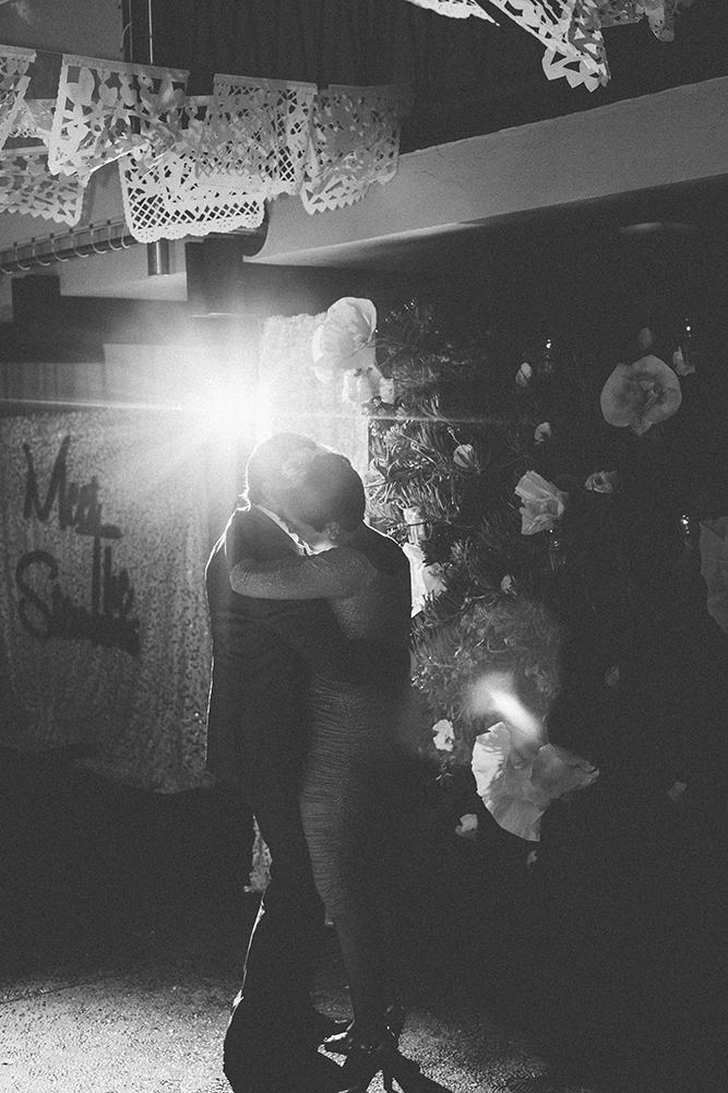 mexcian-midcentury-wedding-of-the-flowers-13.jpg