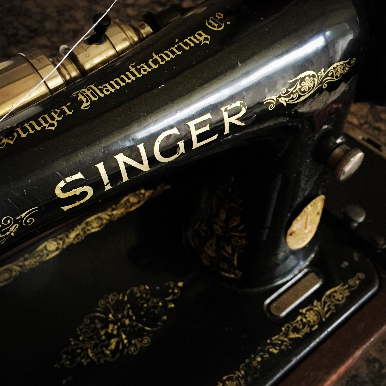 1920's Vintage Singer Sewing Machine