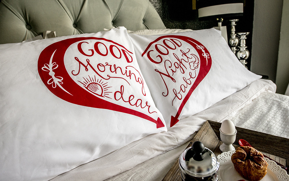 Good Morning & Good Night pillowcases - Red