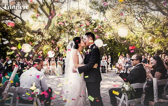 We just ❤️❤️❤️ creating memorable moment like this! No doubt the colorful confetti is getting us excited for the weekend!! 🥳🥳🥳 📷:@PanLumiereCuration @JamesGiovanniPan . . .⁠ .⁠ .⁠ #thekiss #confetti #lovelylumierebride #jamesgiovannipan  #lumierecuration #lumierecouturebridal #lumierecouturebridalstudio