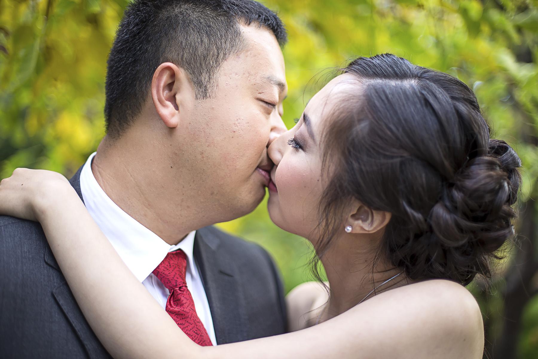 Wedding Photography Adelaide Japanese Himeji Gardens - cute kiss