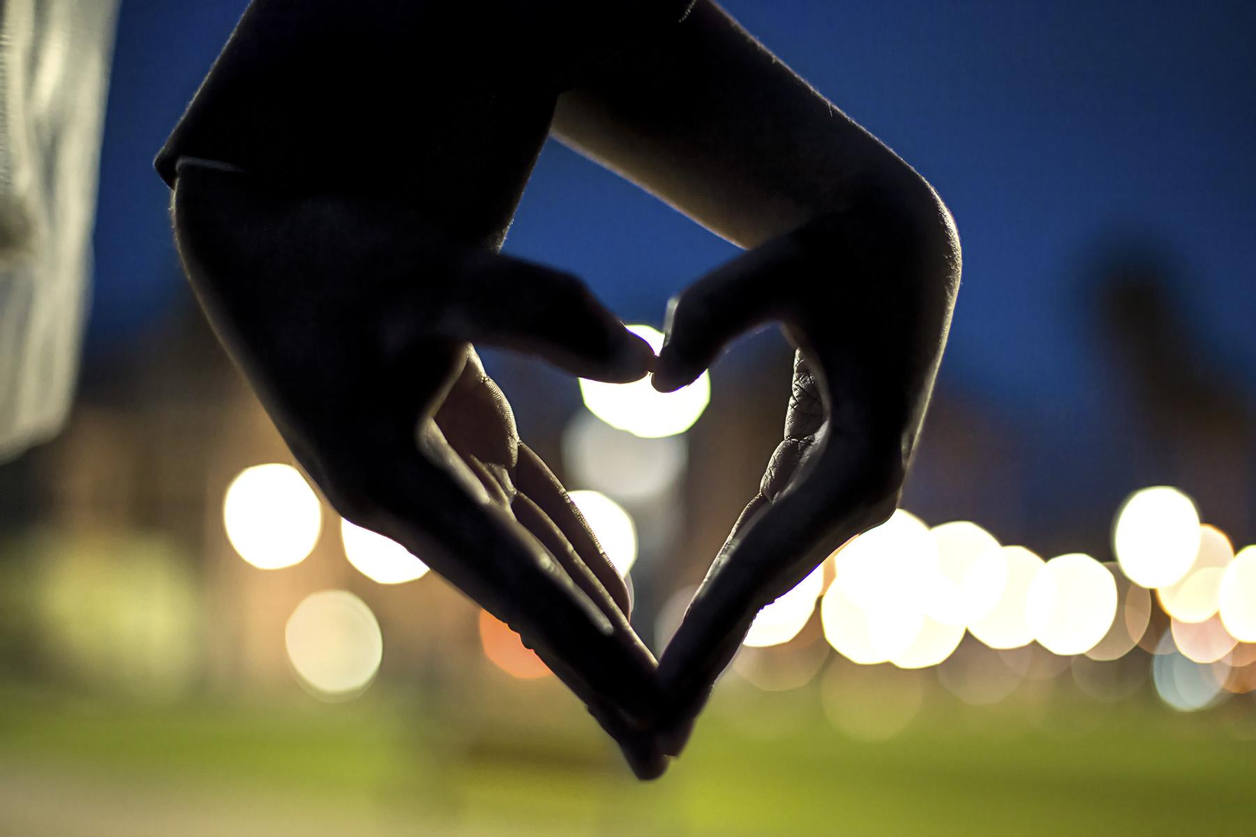 twilight wedding photography glenelg beach - silhouette love hands