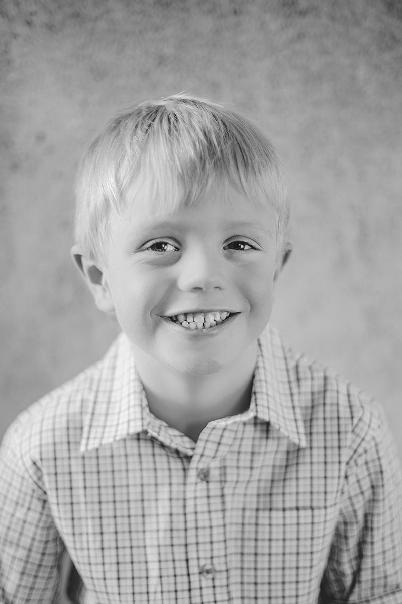 Black & white natural light studio at home family portrait 02