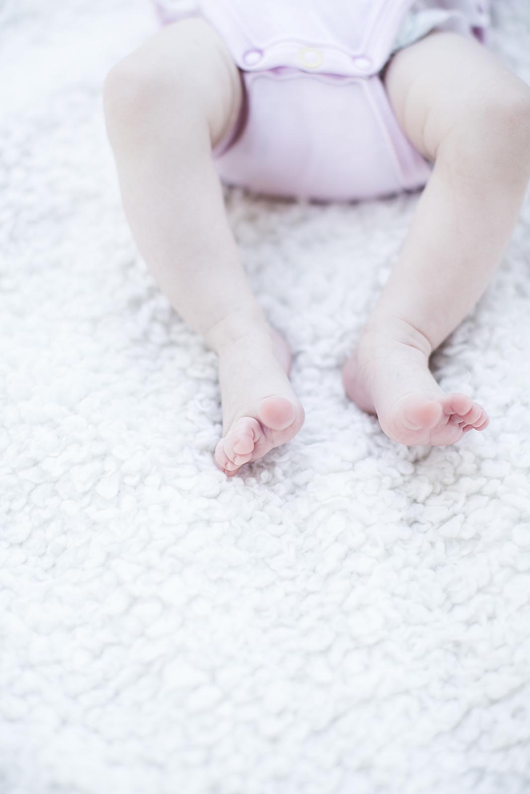 4 Outdoor Baby Foot Portrait Adelaide.jpg
