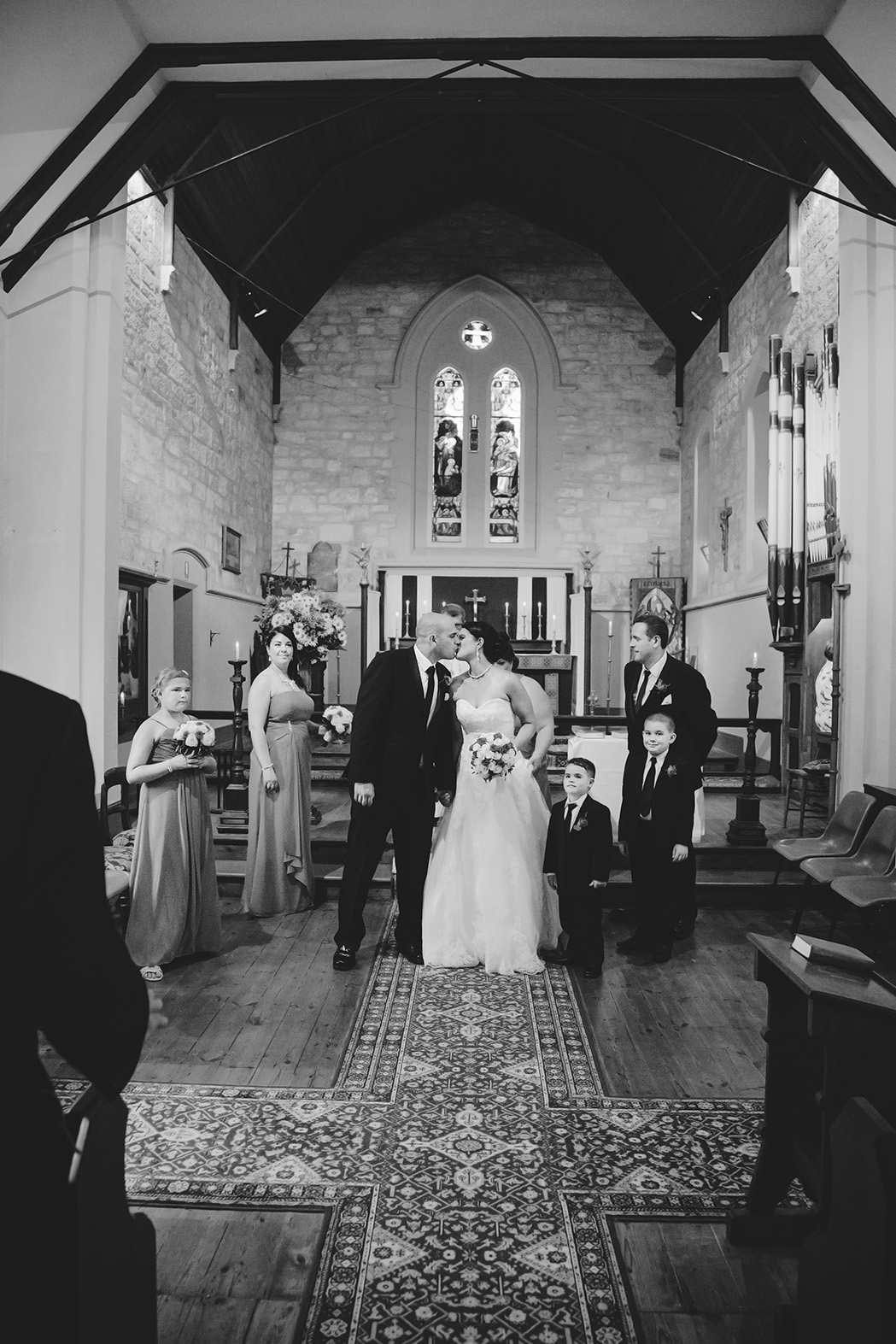Friendly Adelaide Wedding Photographer 007 black & white.jpg