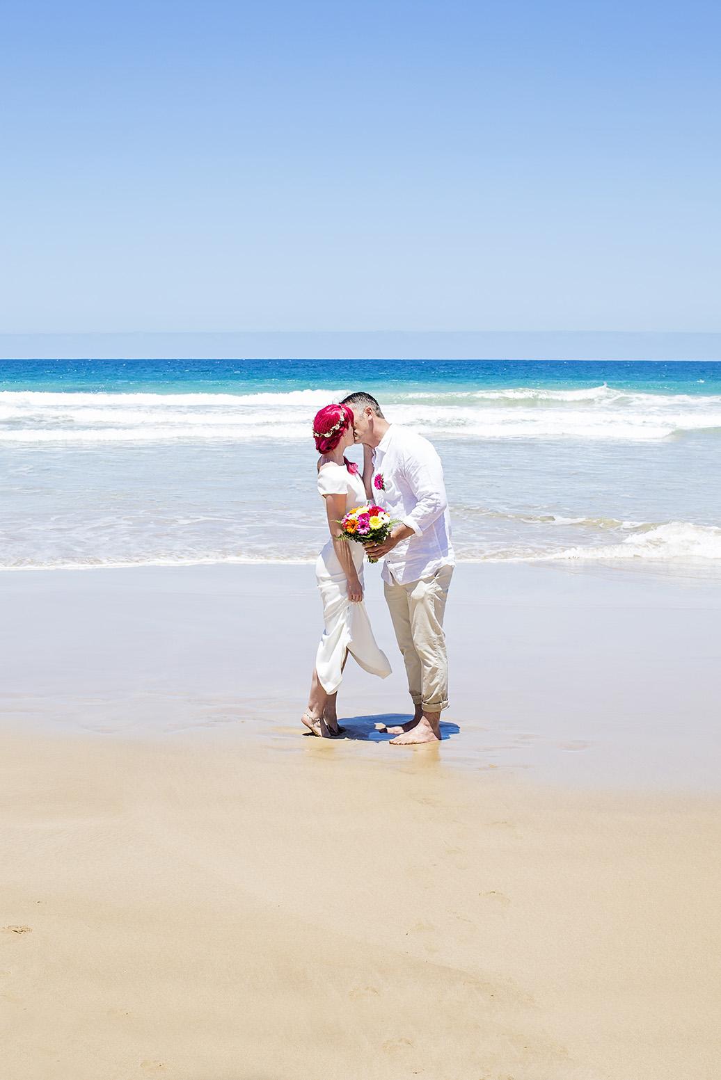 Victor Harbour Wedding Photography 021 bride groom beach kiss.jpg