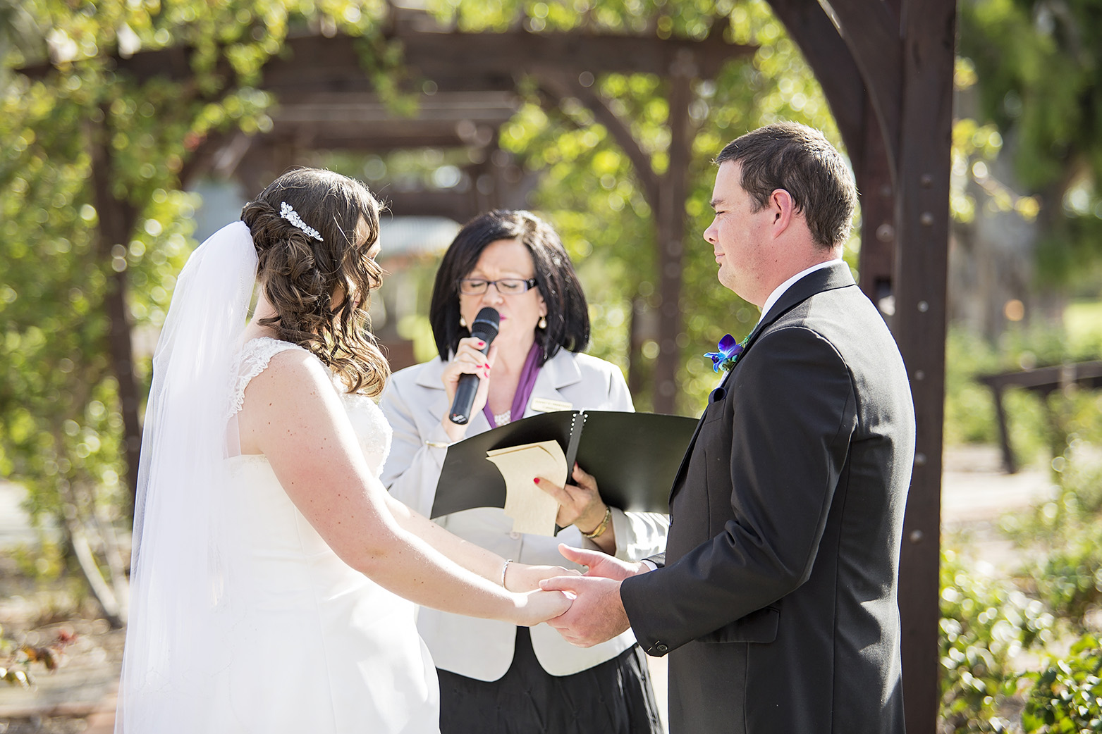 1 Willunga Rose Garden Wedding Ceremony 06.jpg