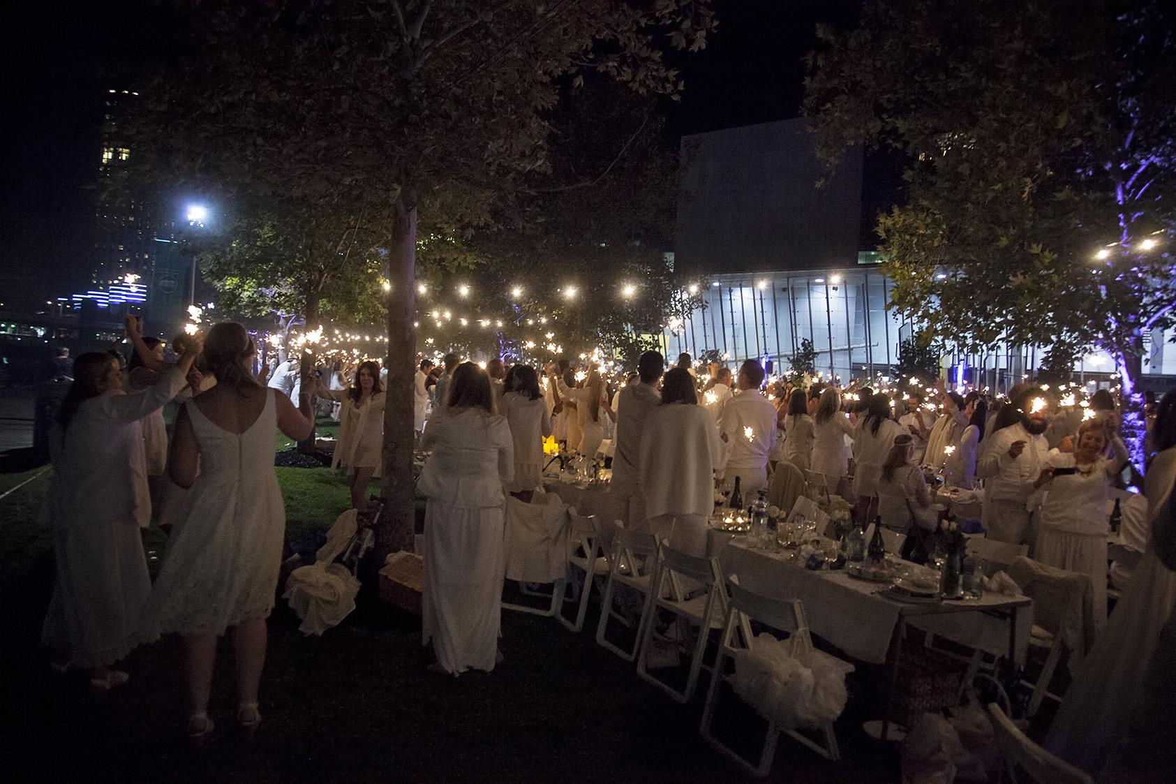 Diner En Blanc - Melbourne Thirtieth Photography 059.jpg