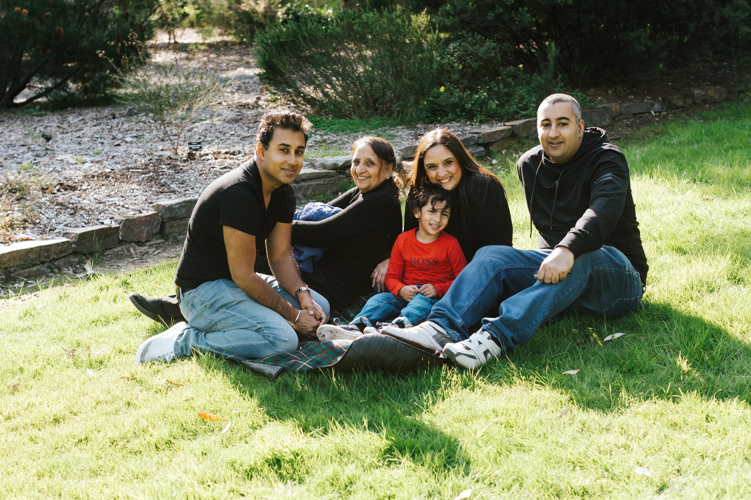 Family Portraits Wittunga Botanic Gardens 016.jpg