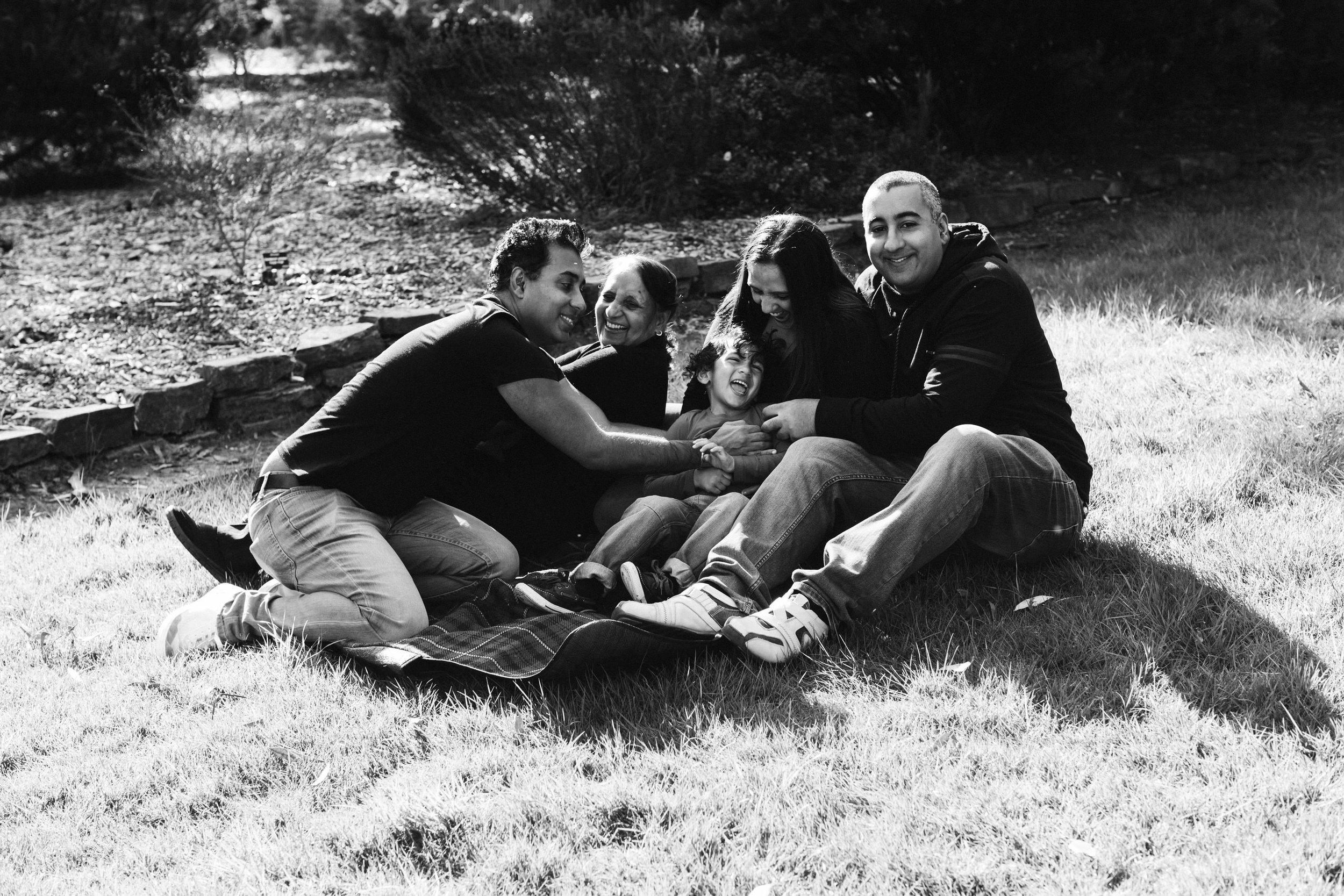 Family Portraits Wittunga Botanic Gardens 017.jpg