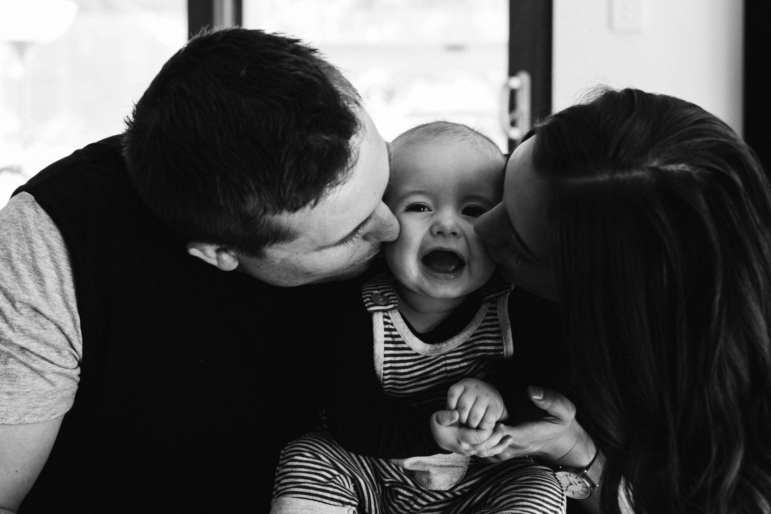 Natural Baby Family Photos Adelaide 011.jpg