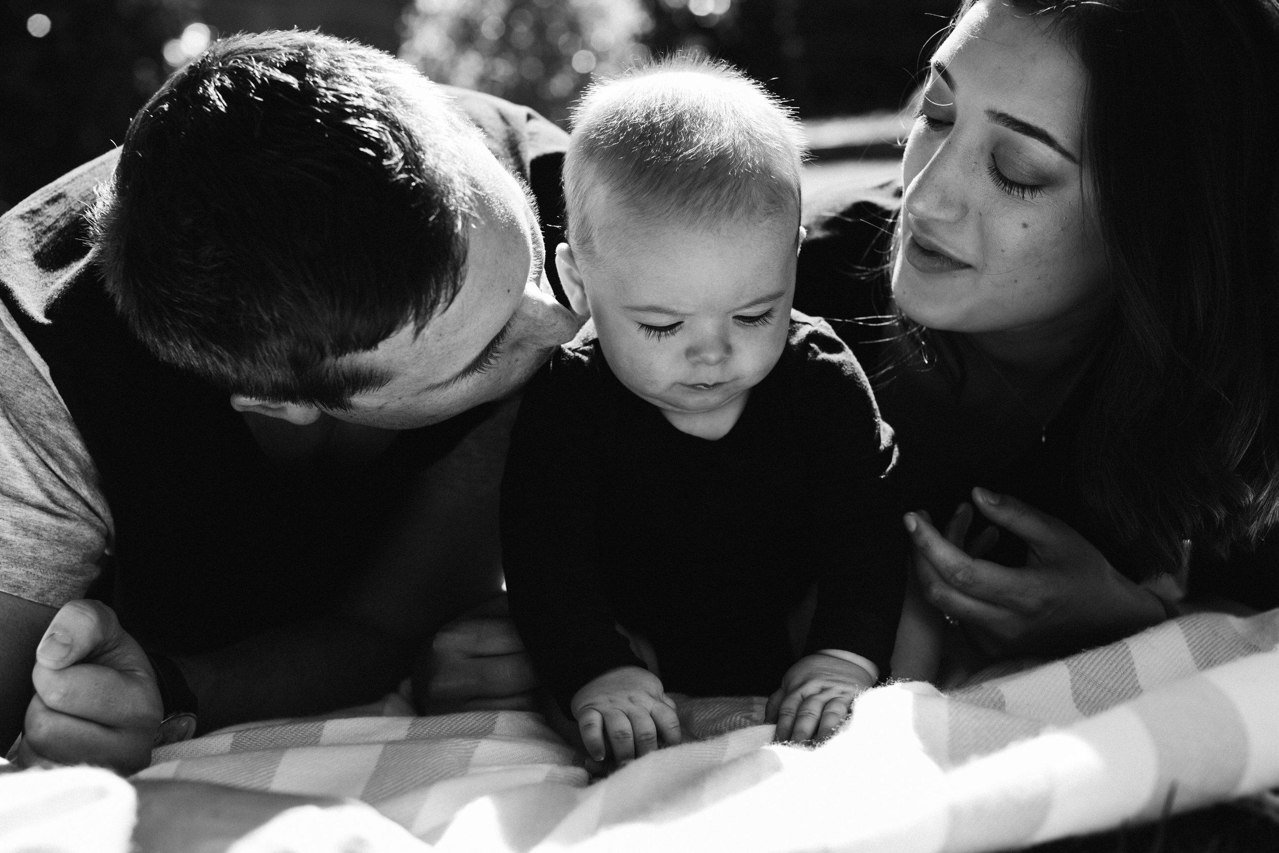 Natural Baby Family Photos Adelaide 019.jpg