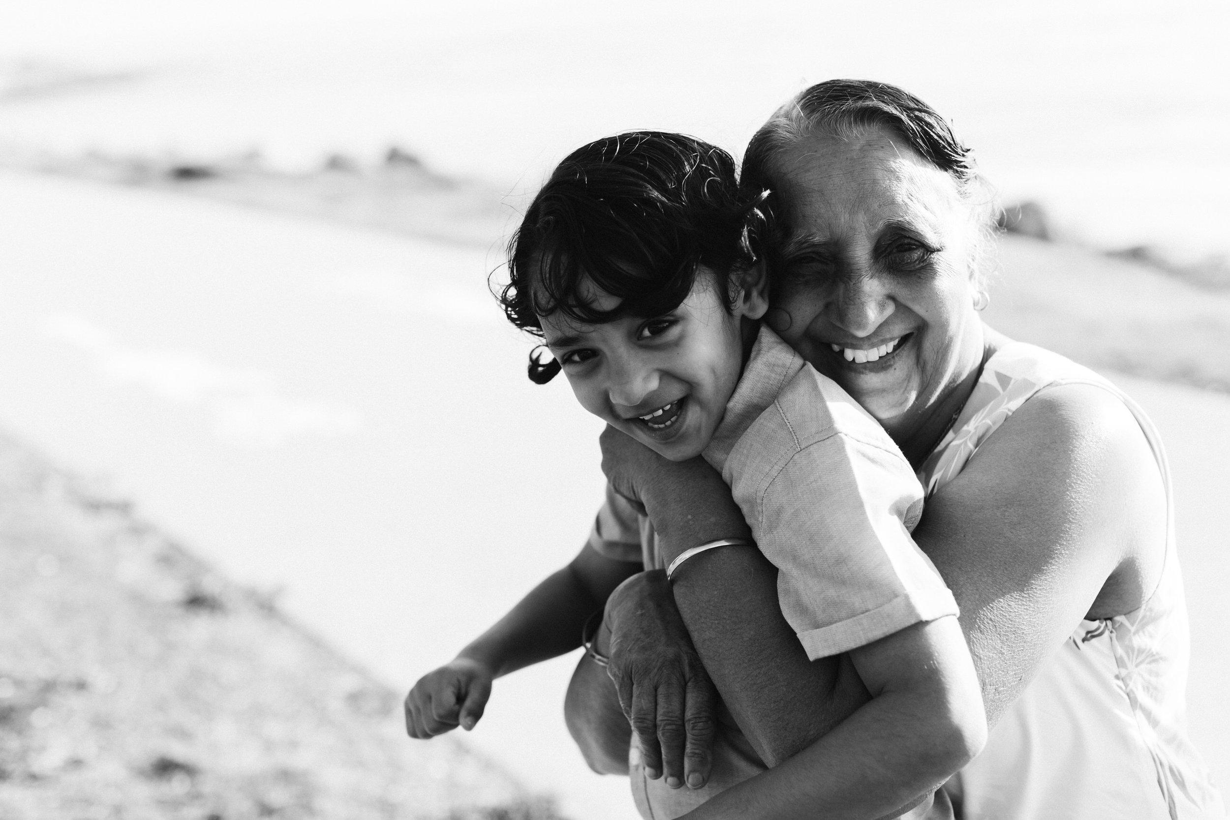 Beach Natural Maternity Portrait Session 014.jpg