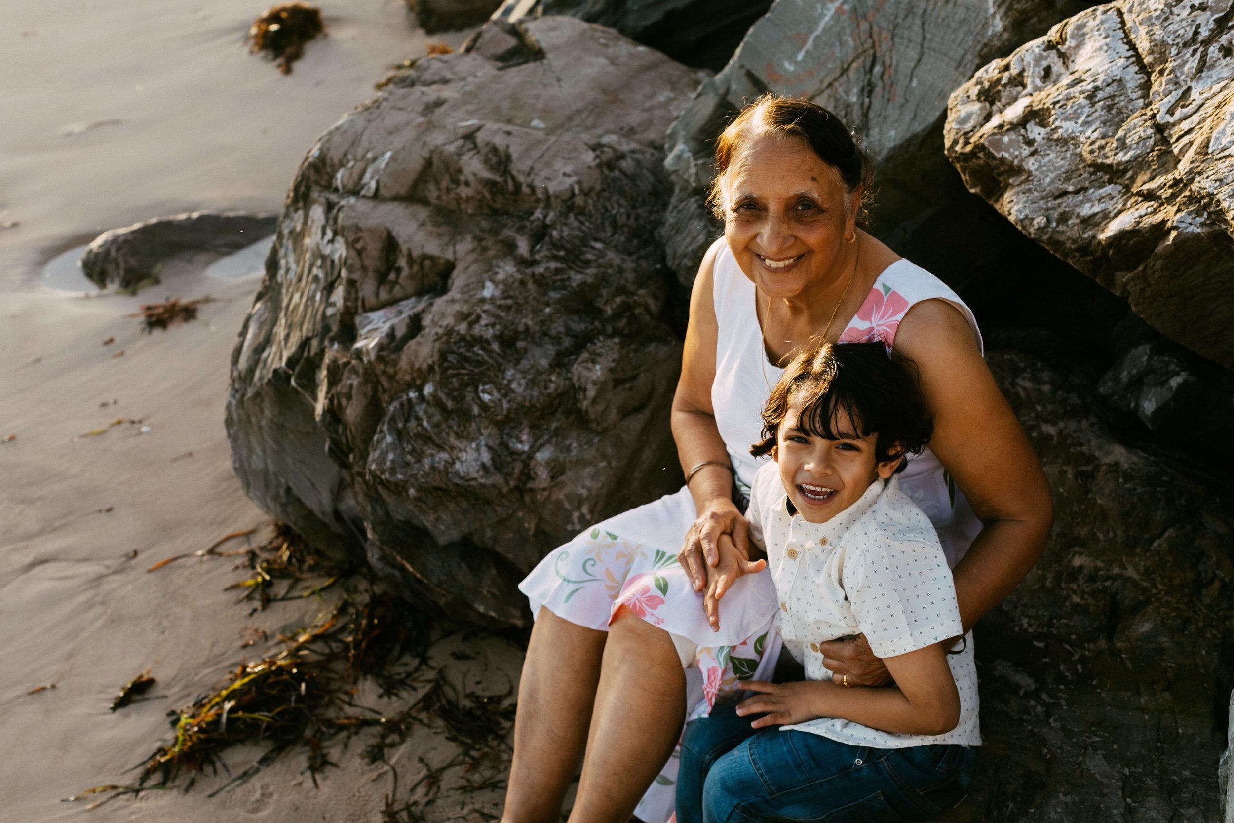 Beach Natural Maternity Portrait Session 028.jpg