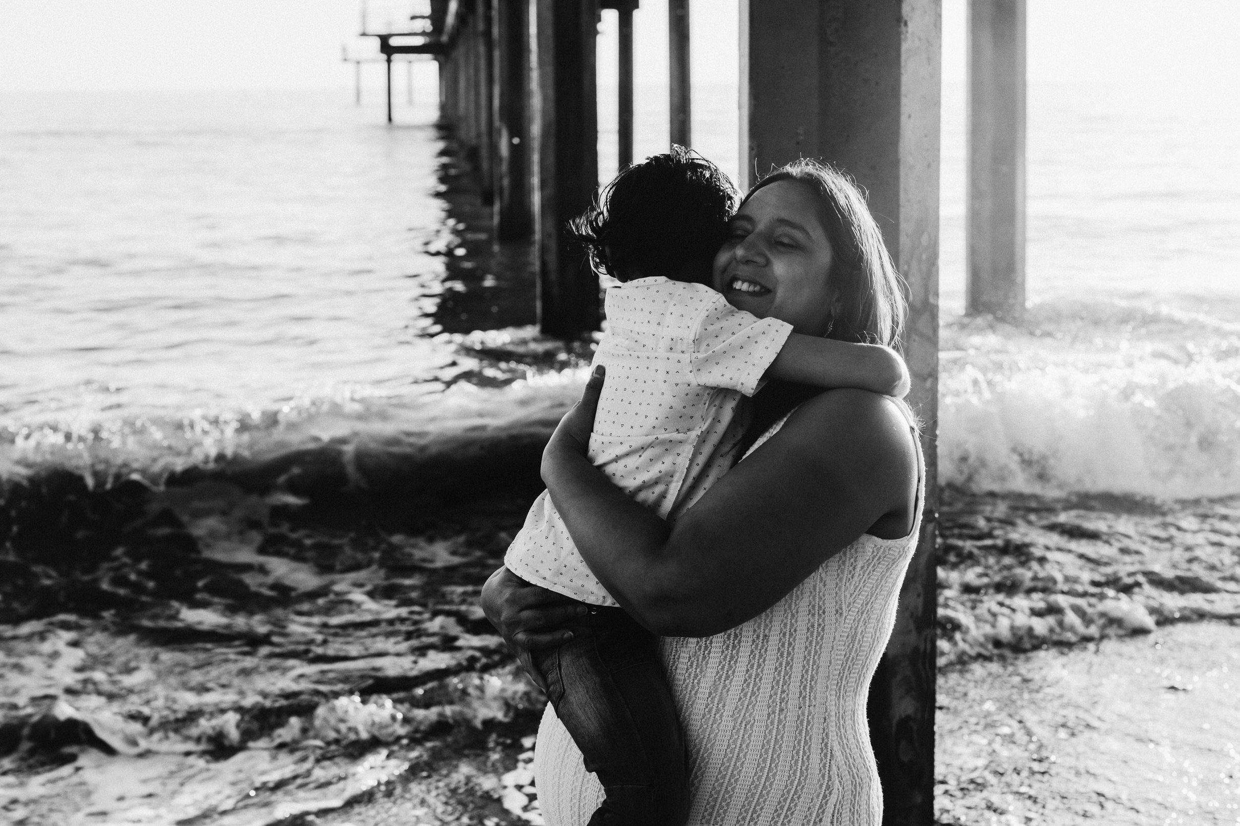 Beach Natural Maternity Portrait Session 034.jpg