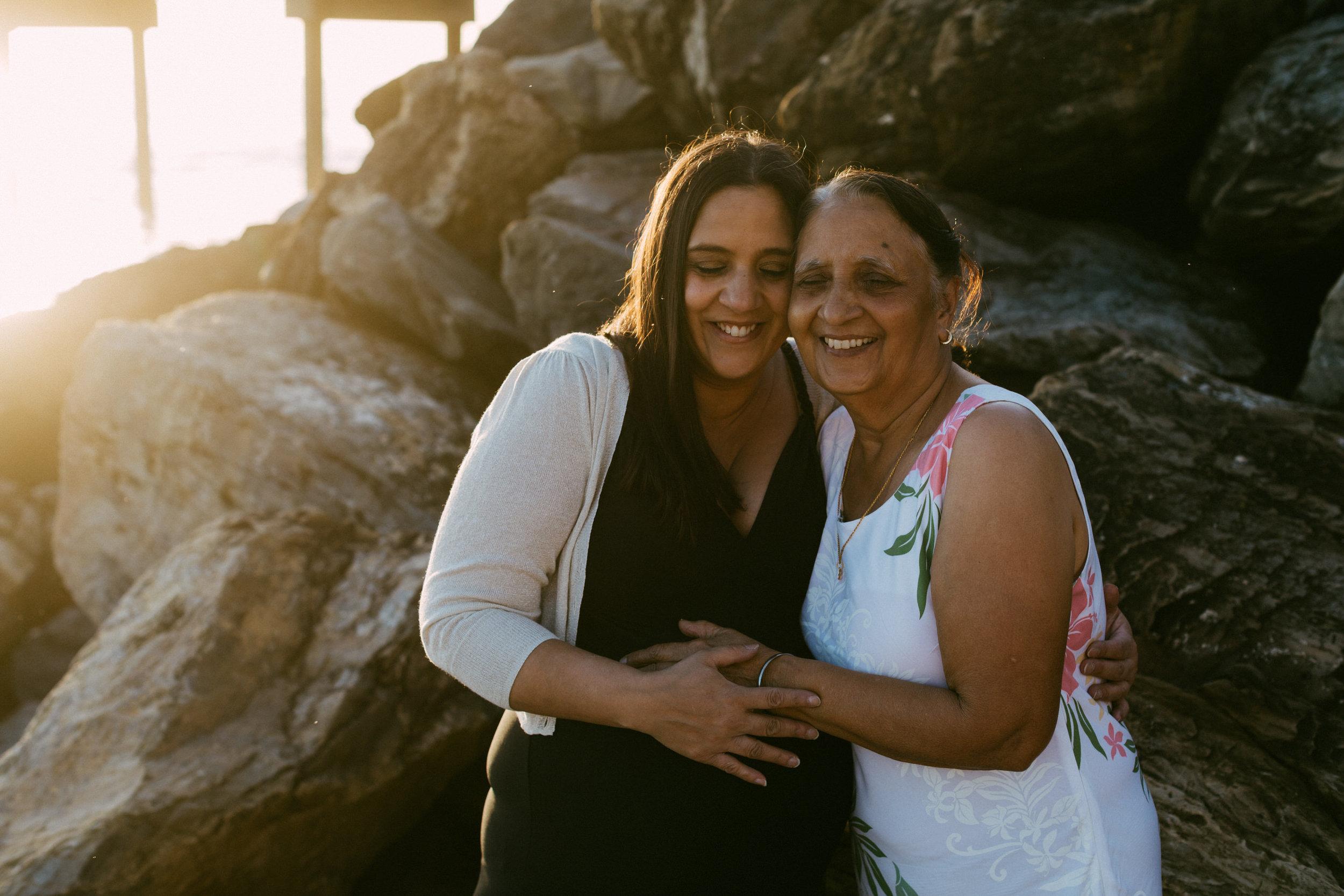Beach Natural Maternity Portrait Session 038.jpg