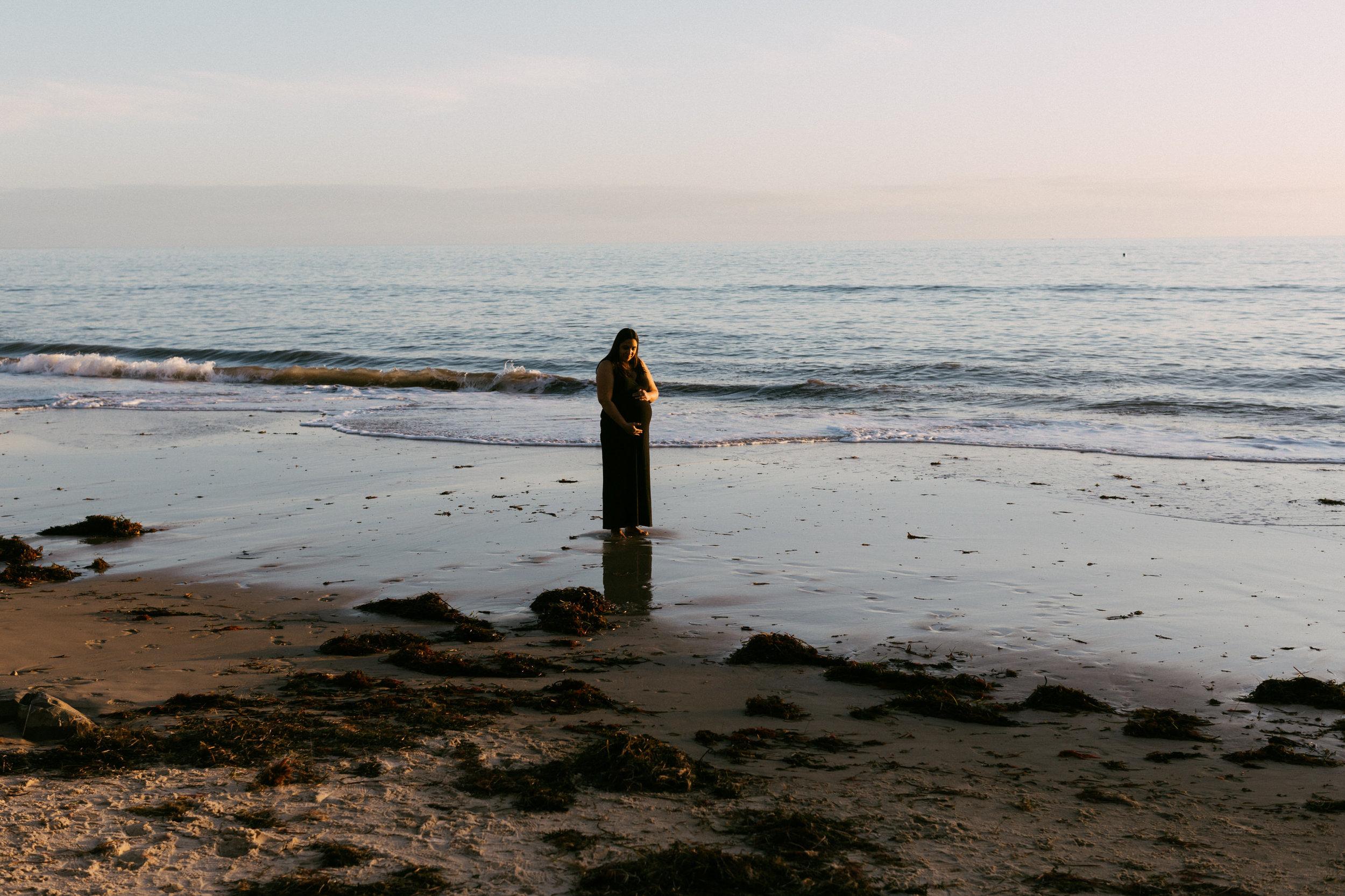 Beach Natural Maternity Portrait Session 043.jpg