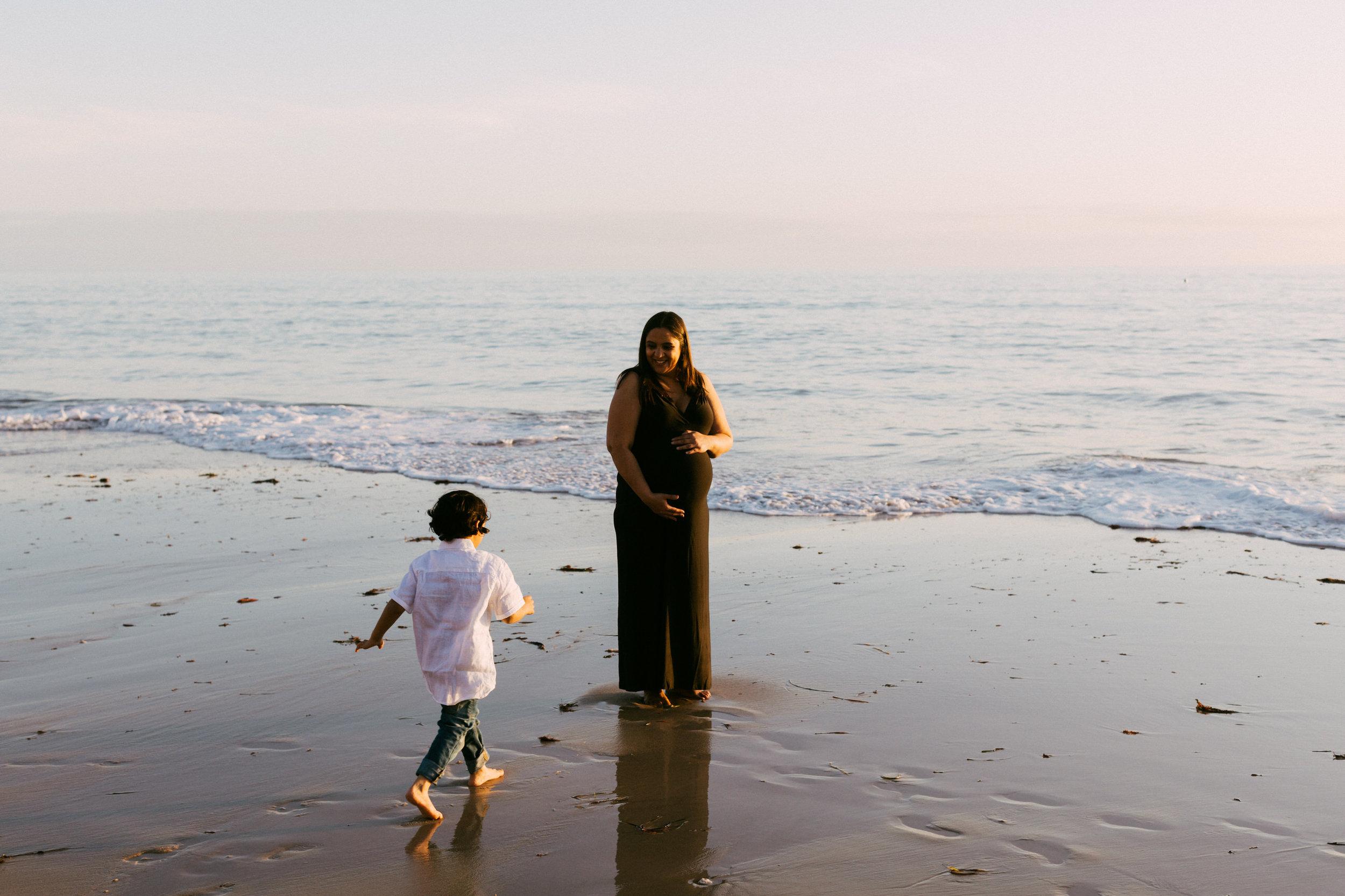 Beach Natural Maternity Portrait Session 044.jpg