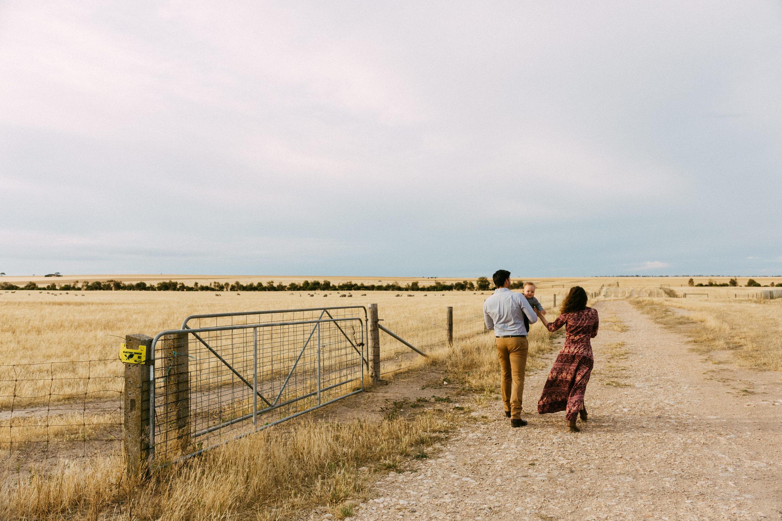 Natural Australian farm family portraits 009.JPG