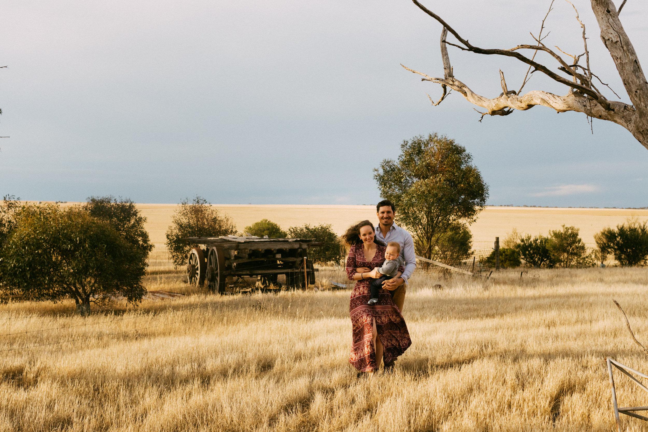 Natural Australian farm family portraits 012.JPG