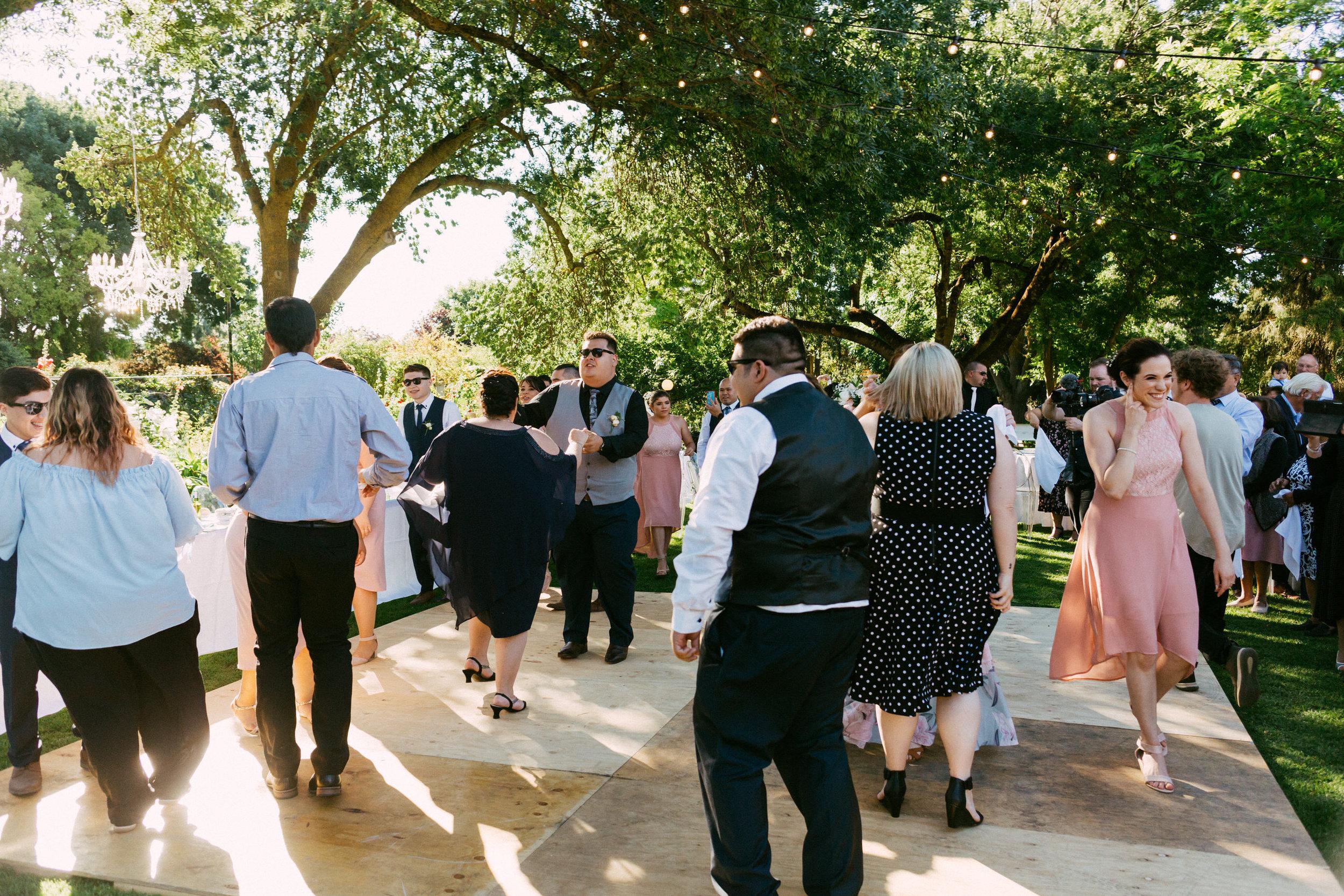 Al Ru Farm Summer Wedding 092.jpg