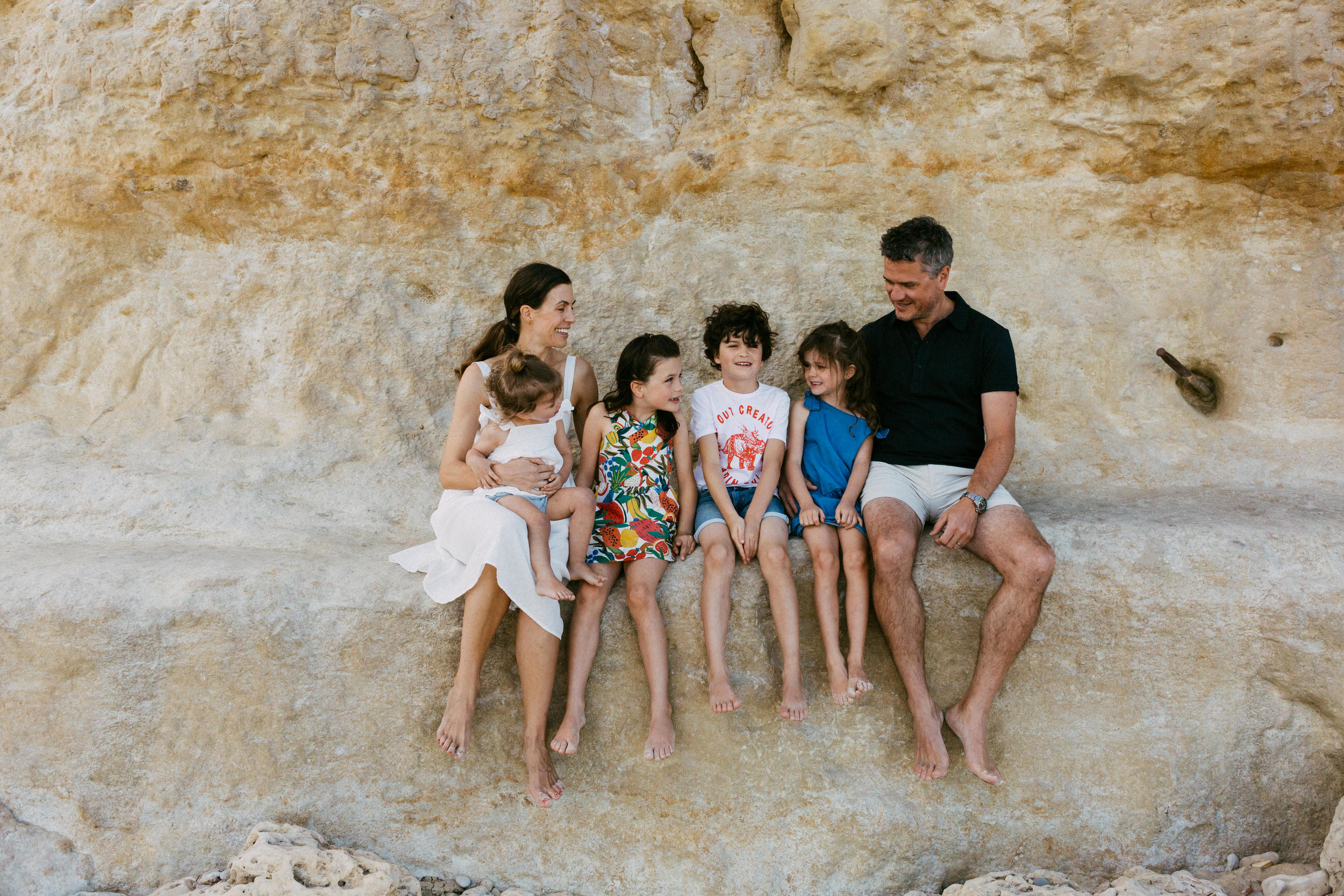 Natural Portraits for Large Family on Beach South Australia.JPG