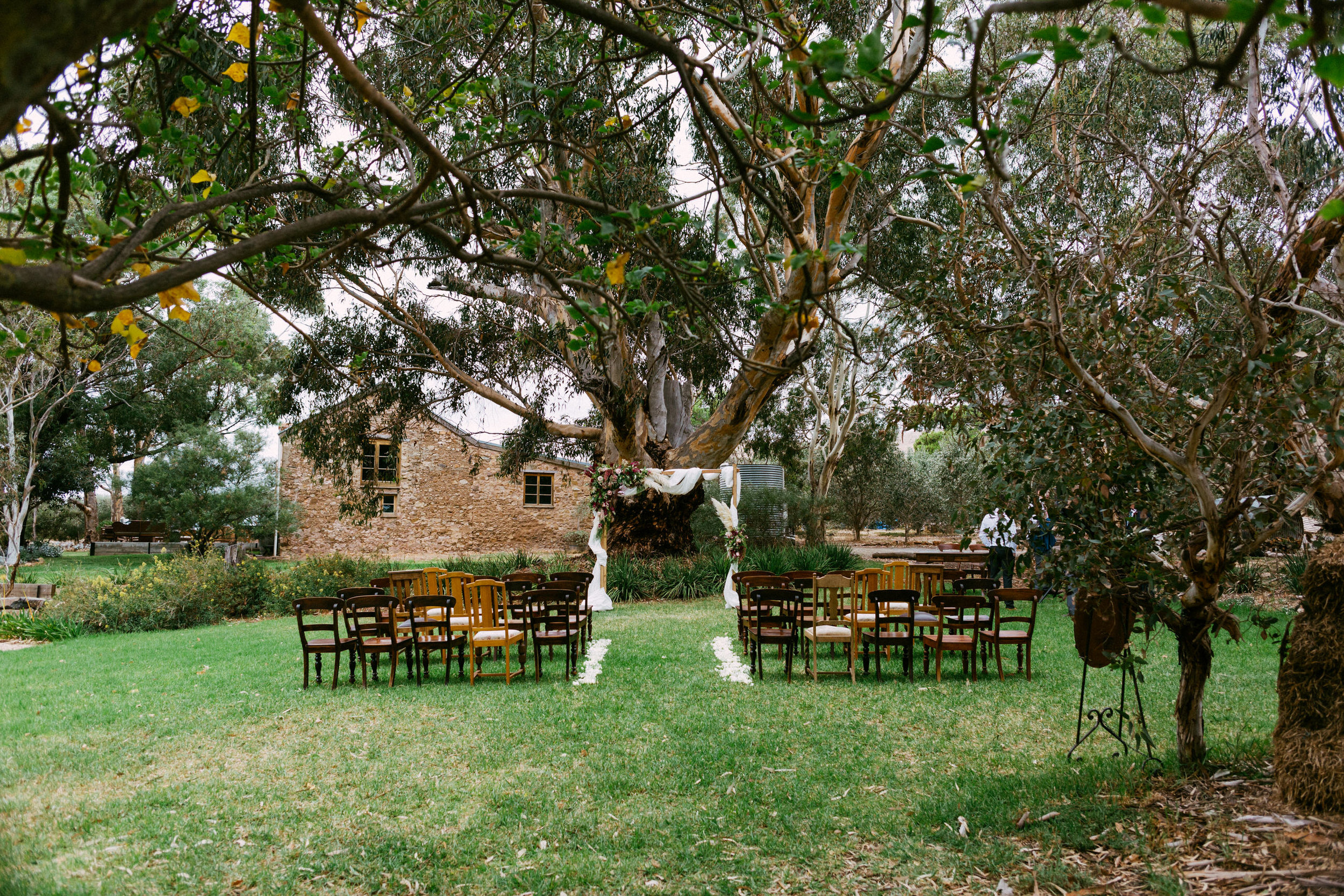Chilled Wedding SA Barn1890 040.jpg