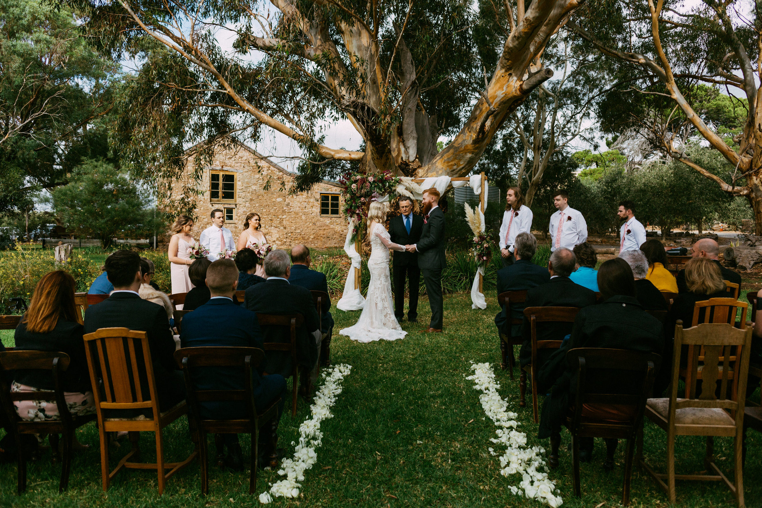 Chilled Wedding SA Barn1890 083.jpg