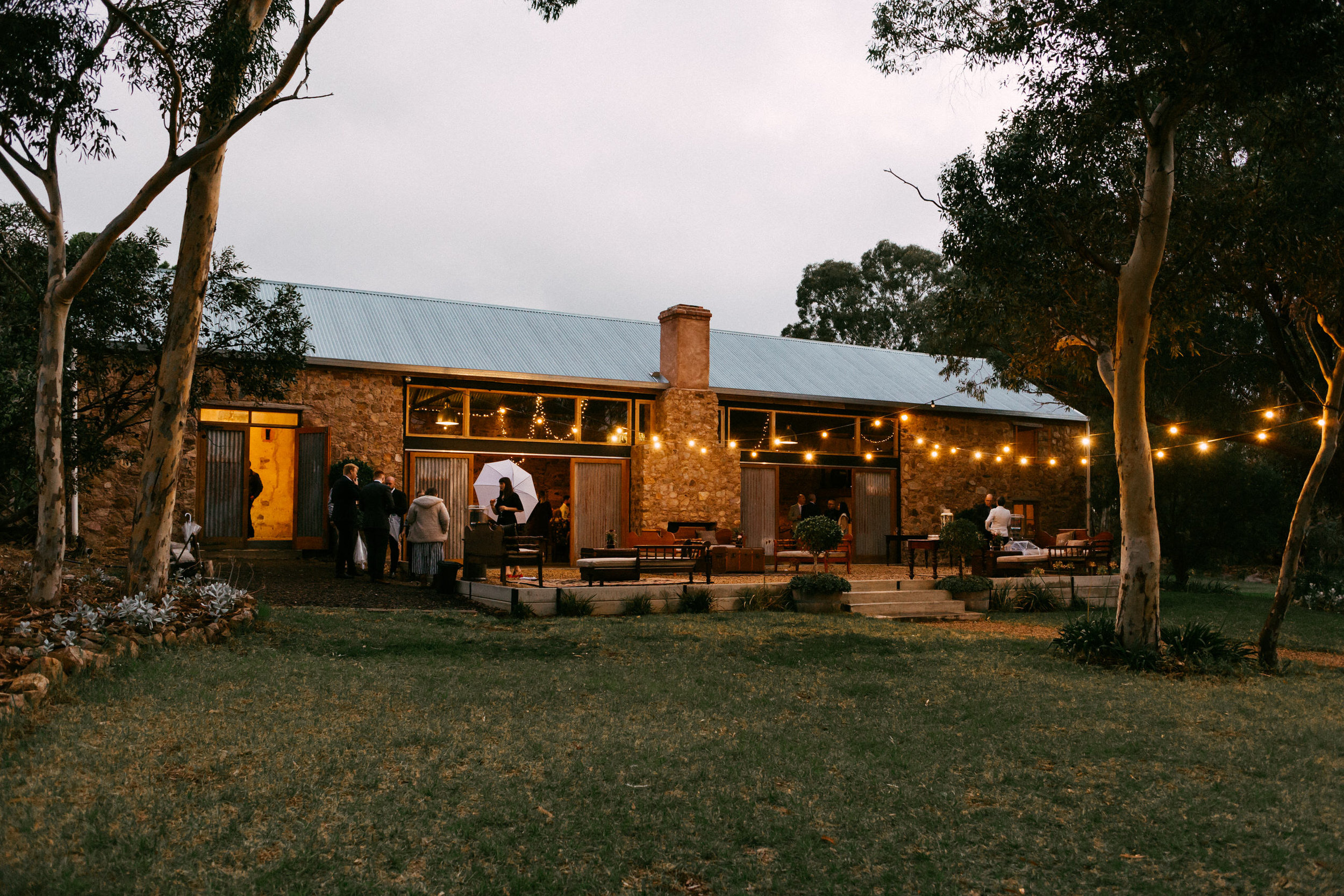 Chilled Wedding SA Barn1890 135.jpg